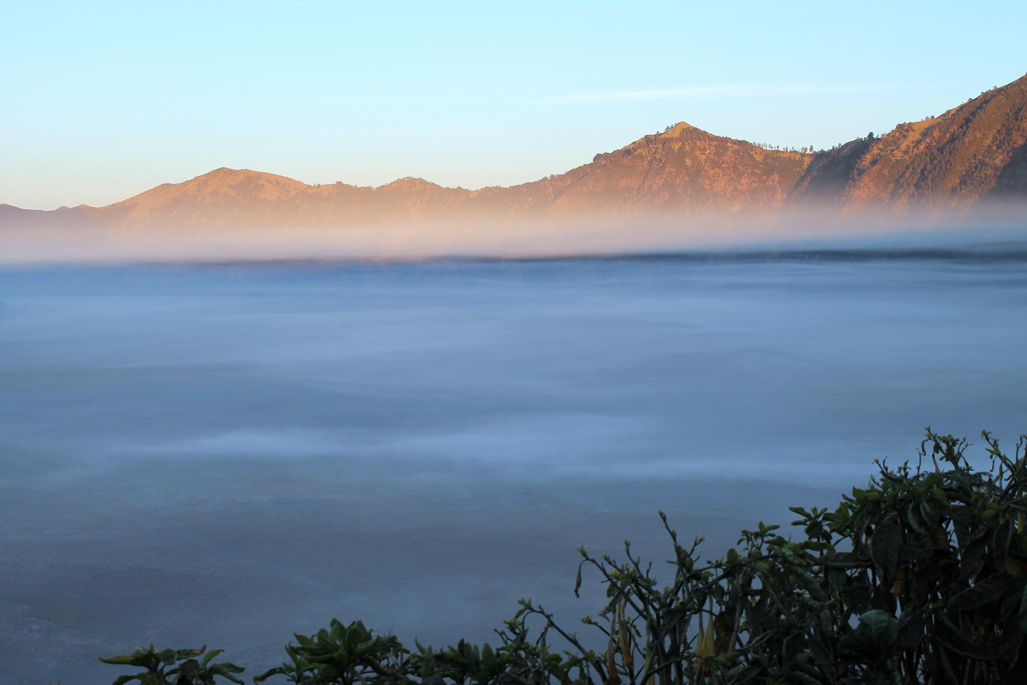 lautan kabut (fog ocean) by Marianingsih
