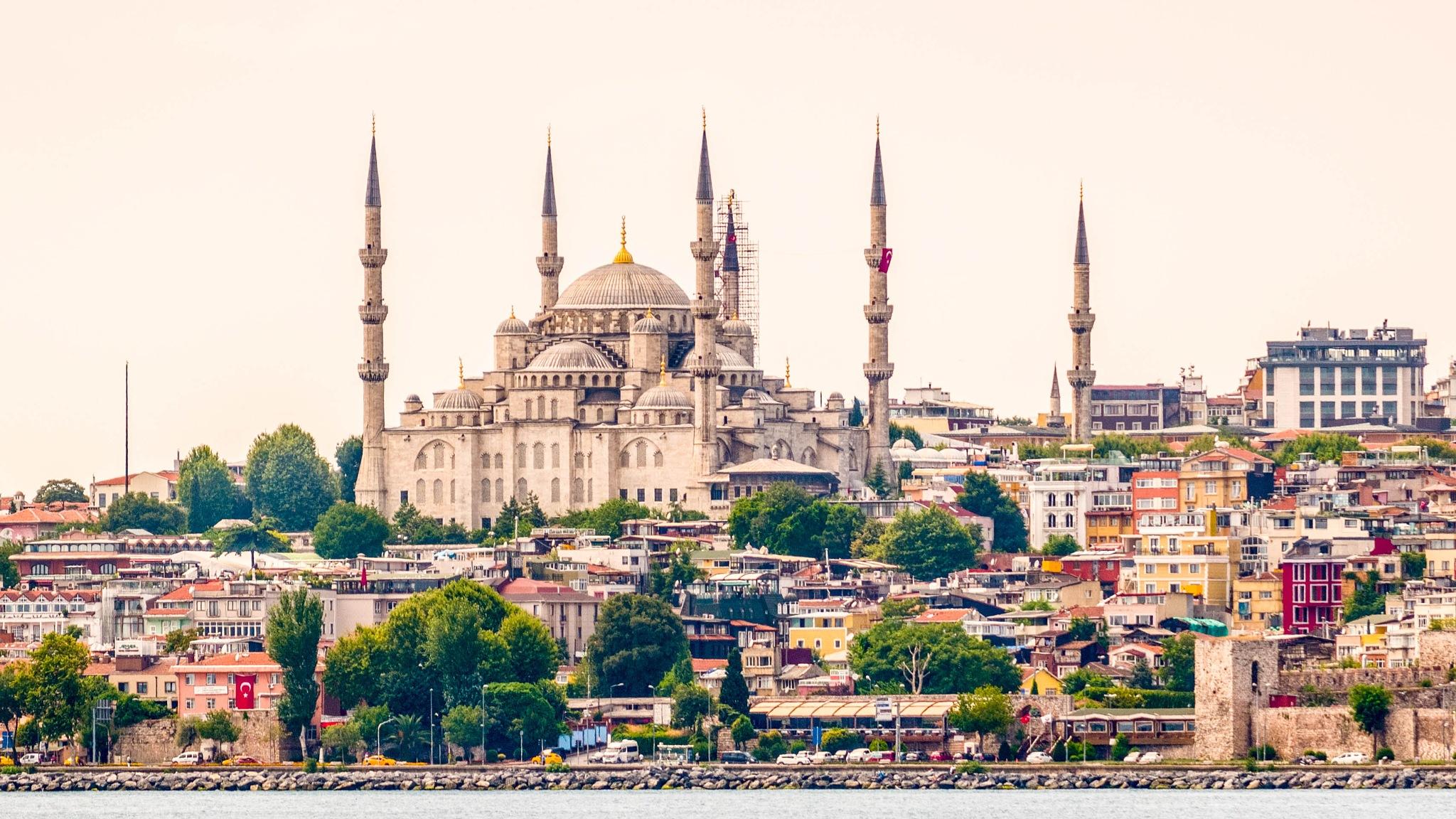 Sultan Ahmet Camii by Şener Tan