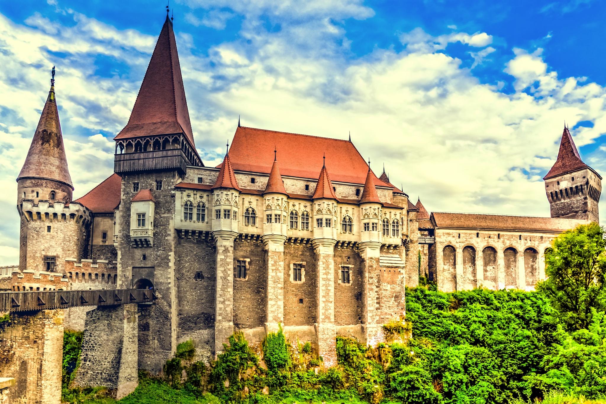 Hunedoara Castle by Mihai Sirb