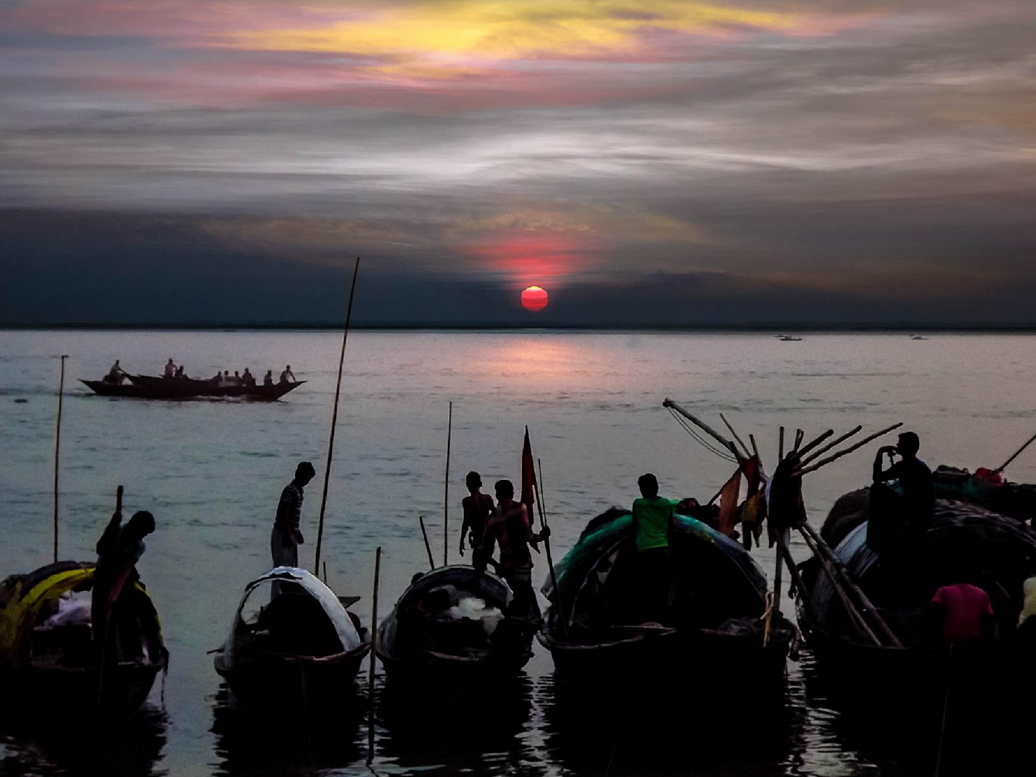 Fishermen-Bank of River Padma-0291 by ЯΔJJIБ'S PЂØŦØ