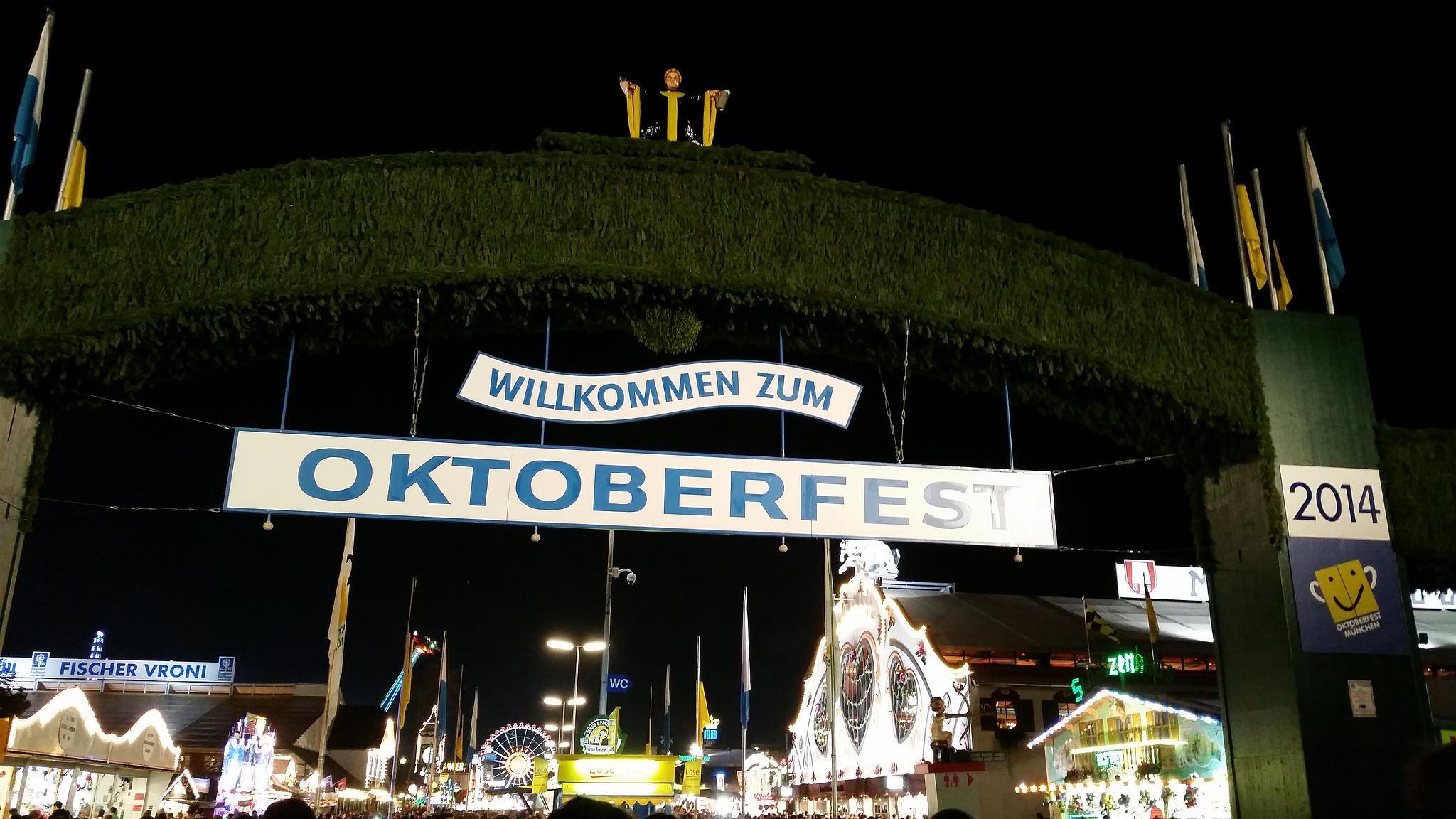 Munchen Oktoberfest 2014 by erics67