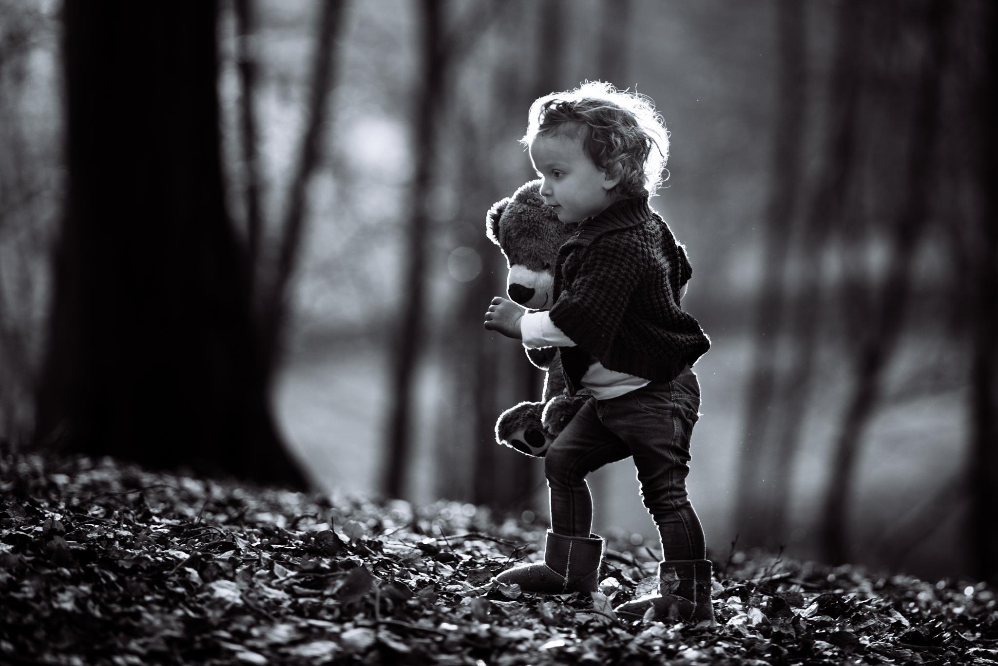Little Explorer by Ralph Kloppenborg