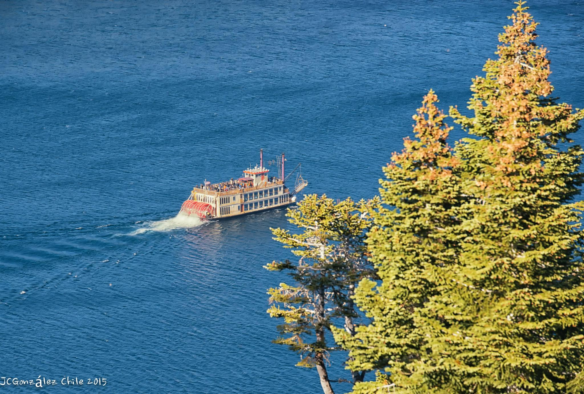 Paddle steamer by JuanCaPhotography