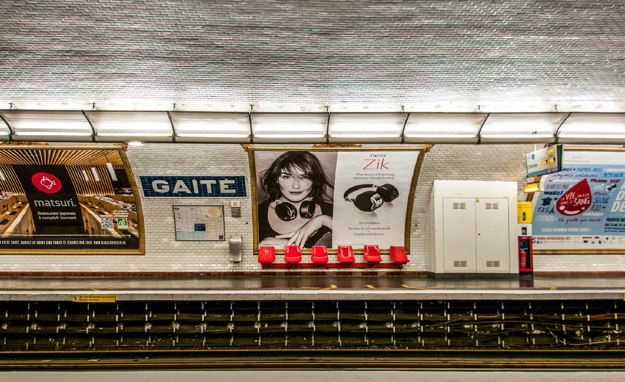 Gaîté by JRGt12