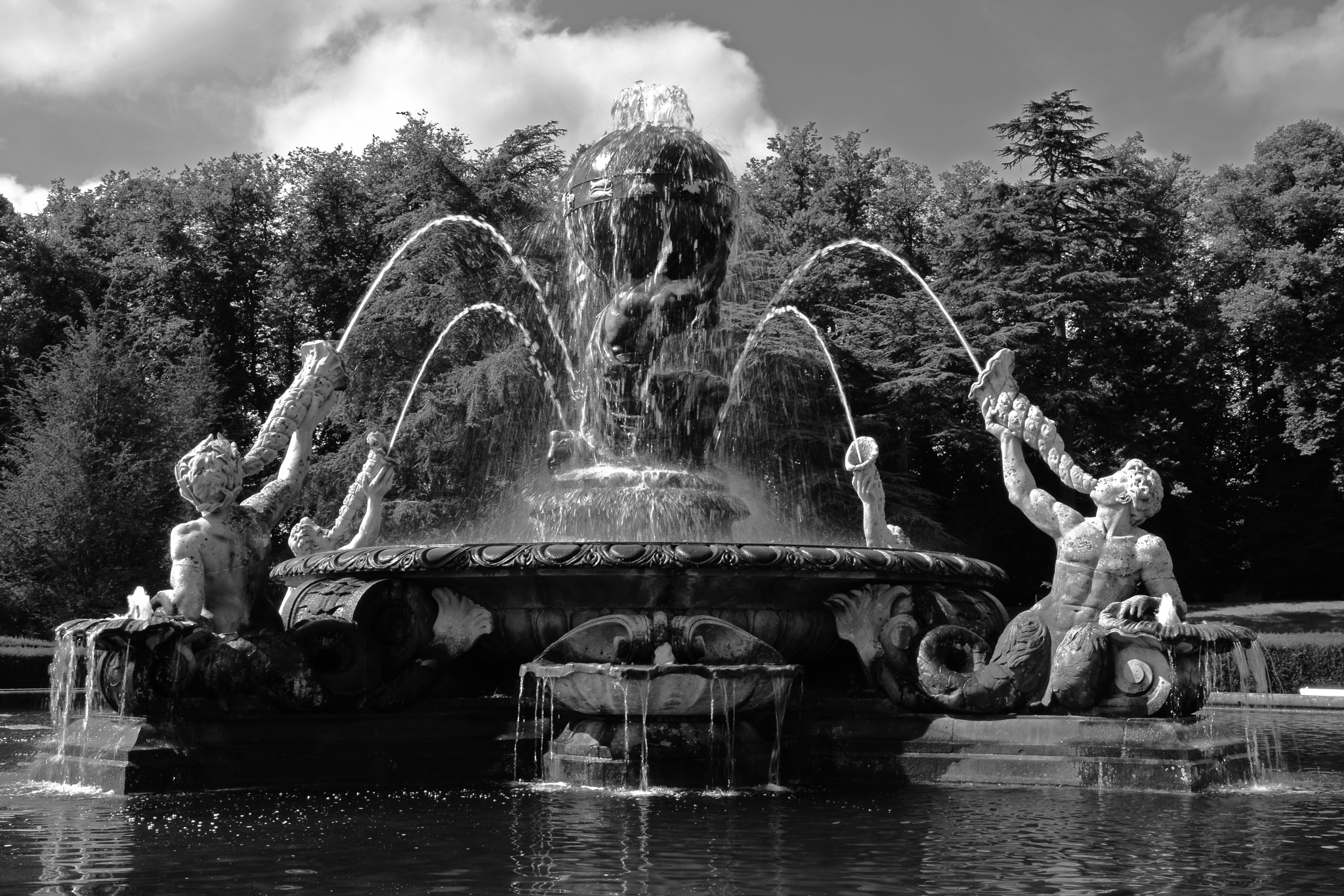 Atlas Fountain (Castle Howard) by Chris Heppenstall