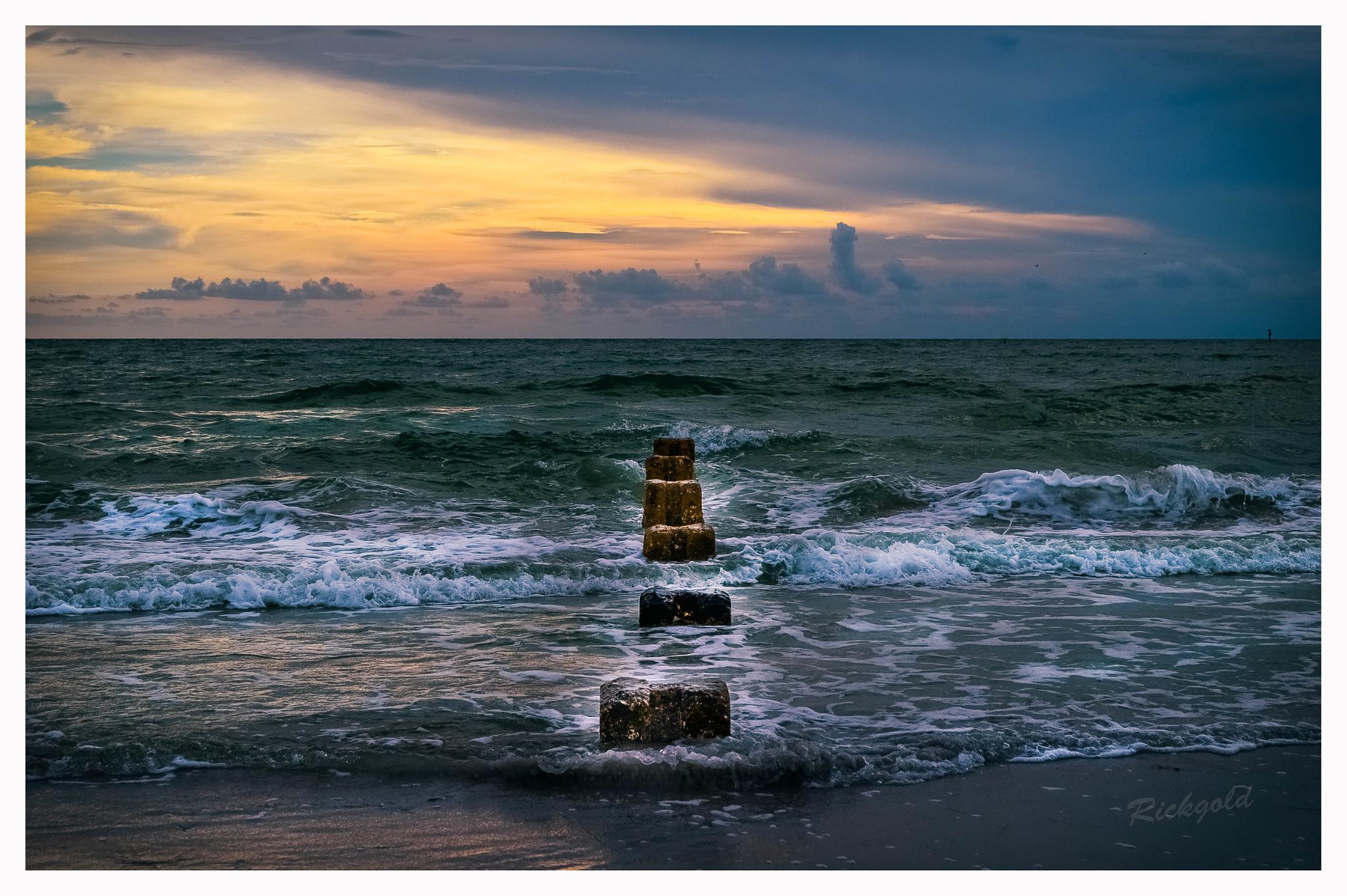 HoneyMoon Beach by RickMont