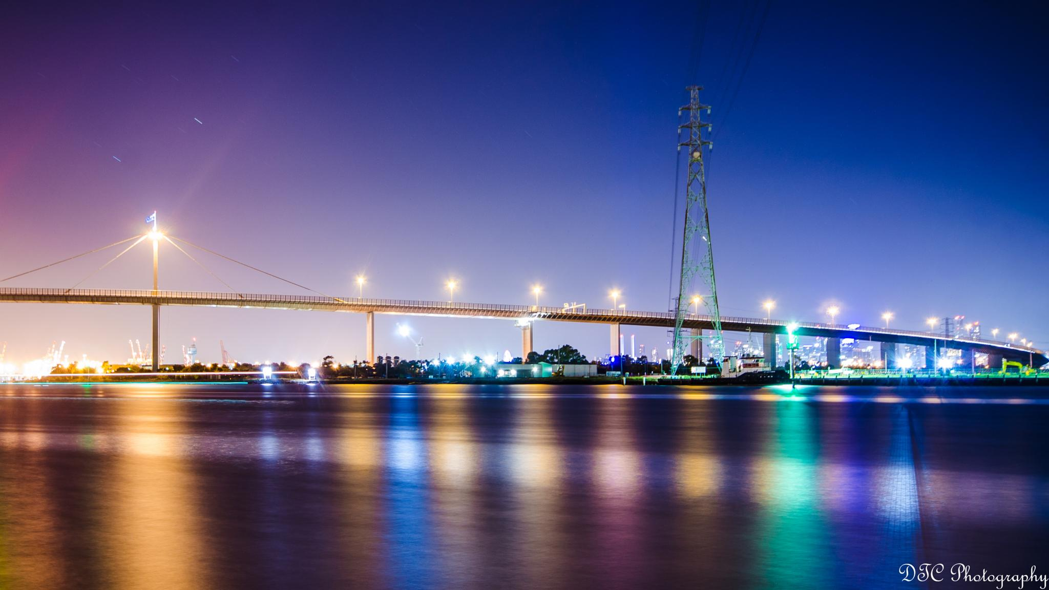 West Gate Bridge by Peter Nguyen