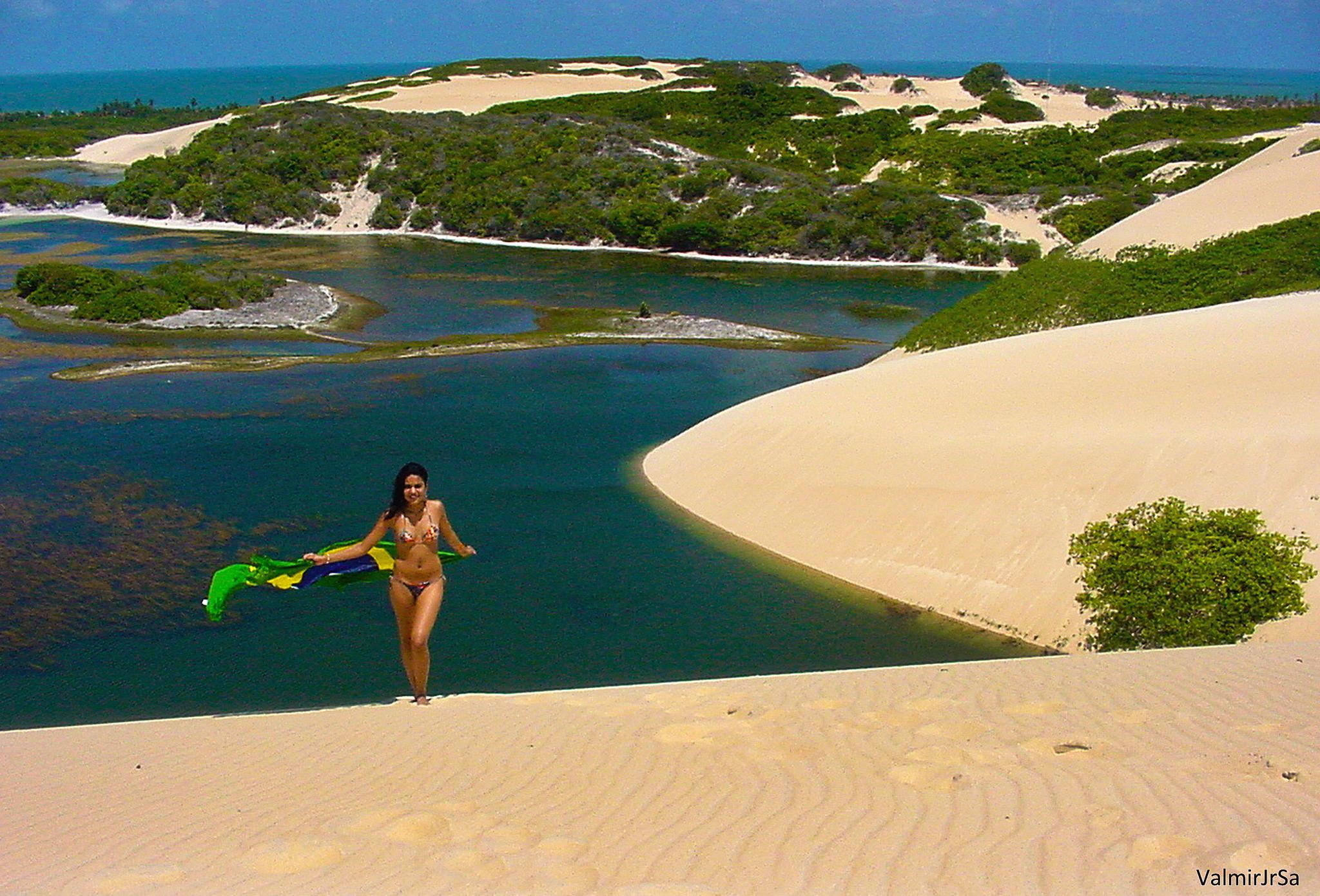 Lagoa e dunas - Lagoon and dunes by Valmir Junior Sá