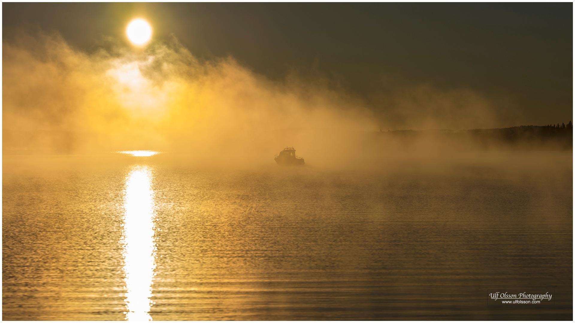 Early morning boat by uffeo56