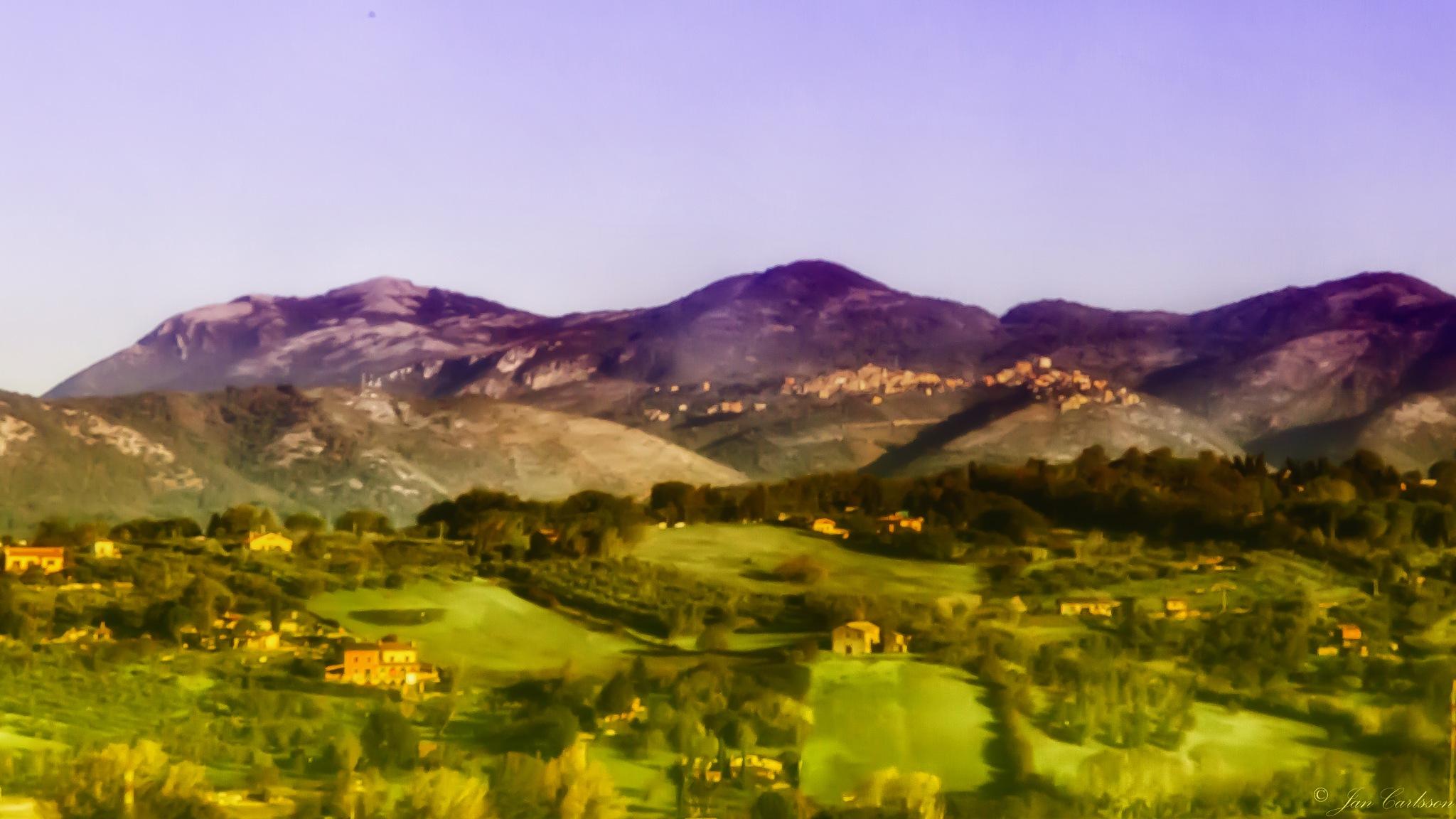 Umbrian Landscape HDR by carljan w carlsson