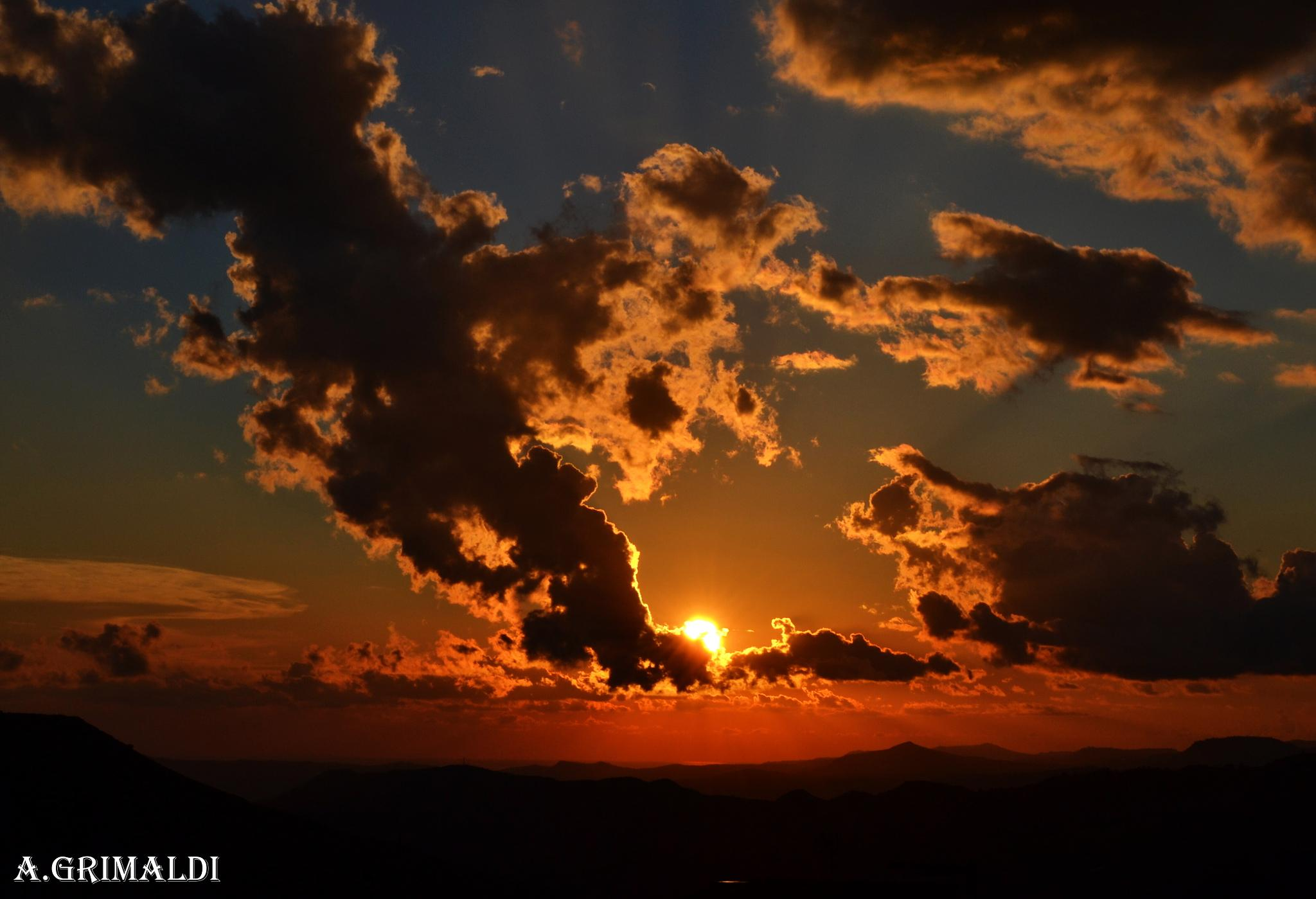 Tramonto a Caltagirone (ct ) by angelo.gri
