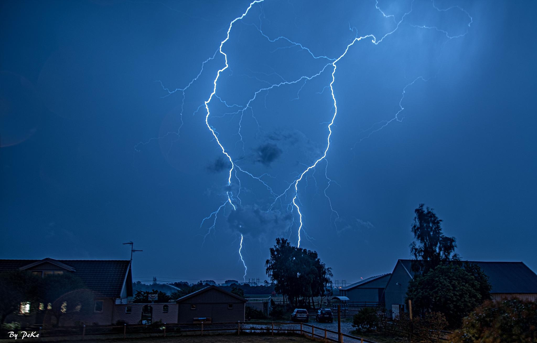 Lightning over Malmö, Sweden by peter.ekelund.7