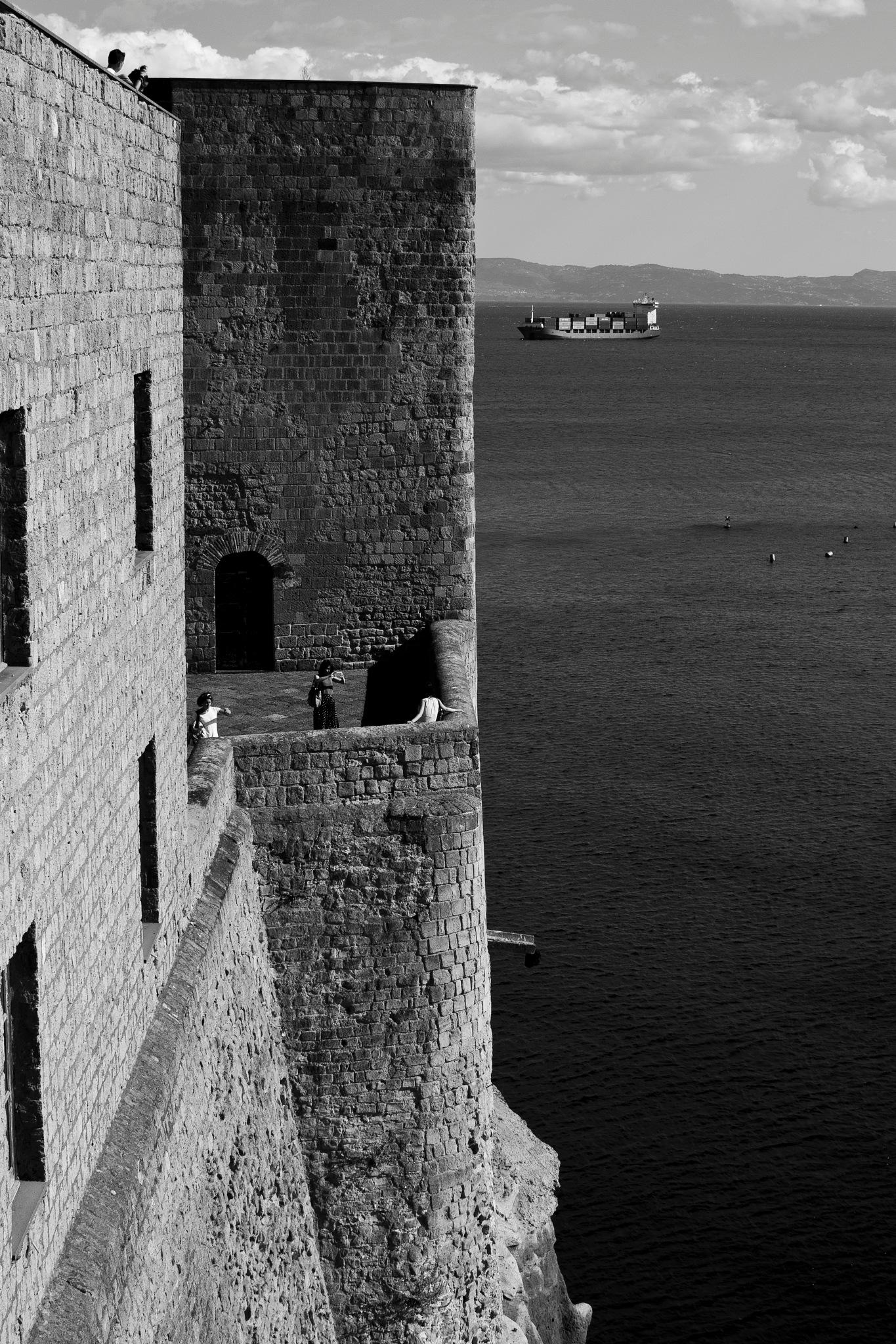 mura e nave by Carmine Santoro