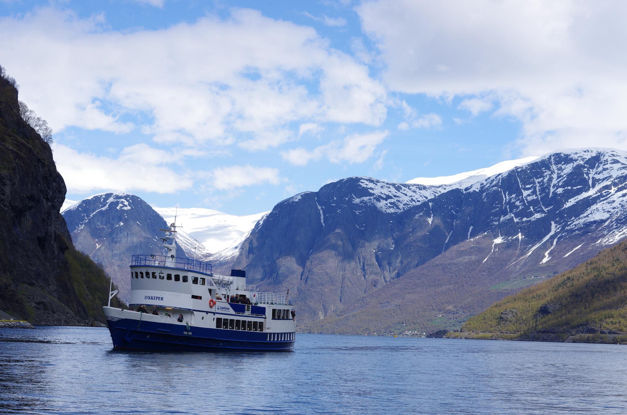 Beautiful Norway by Sjoerd Weiland
