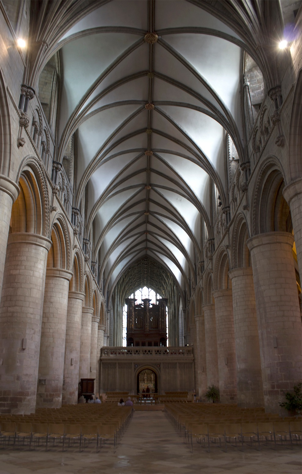 Gloucester Cathedral by philldutton