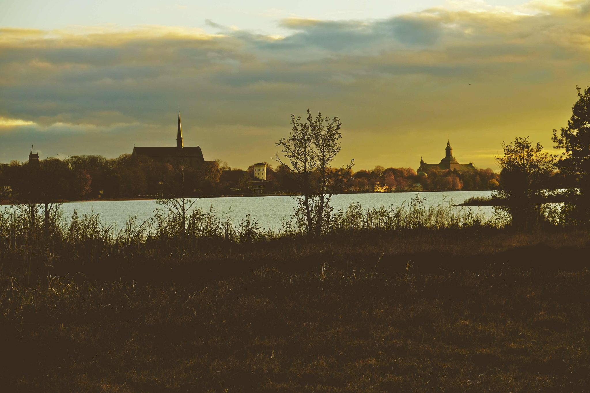 Sunset   Vadstena by mander