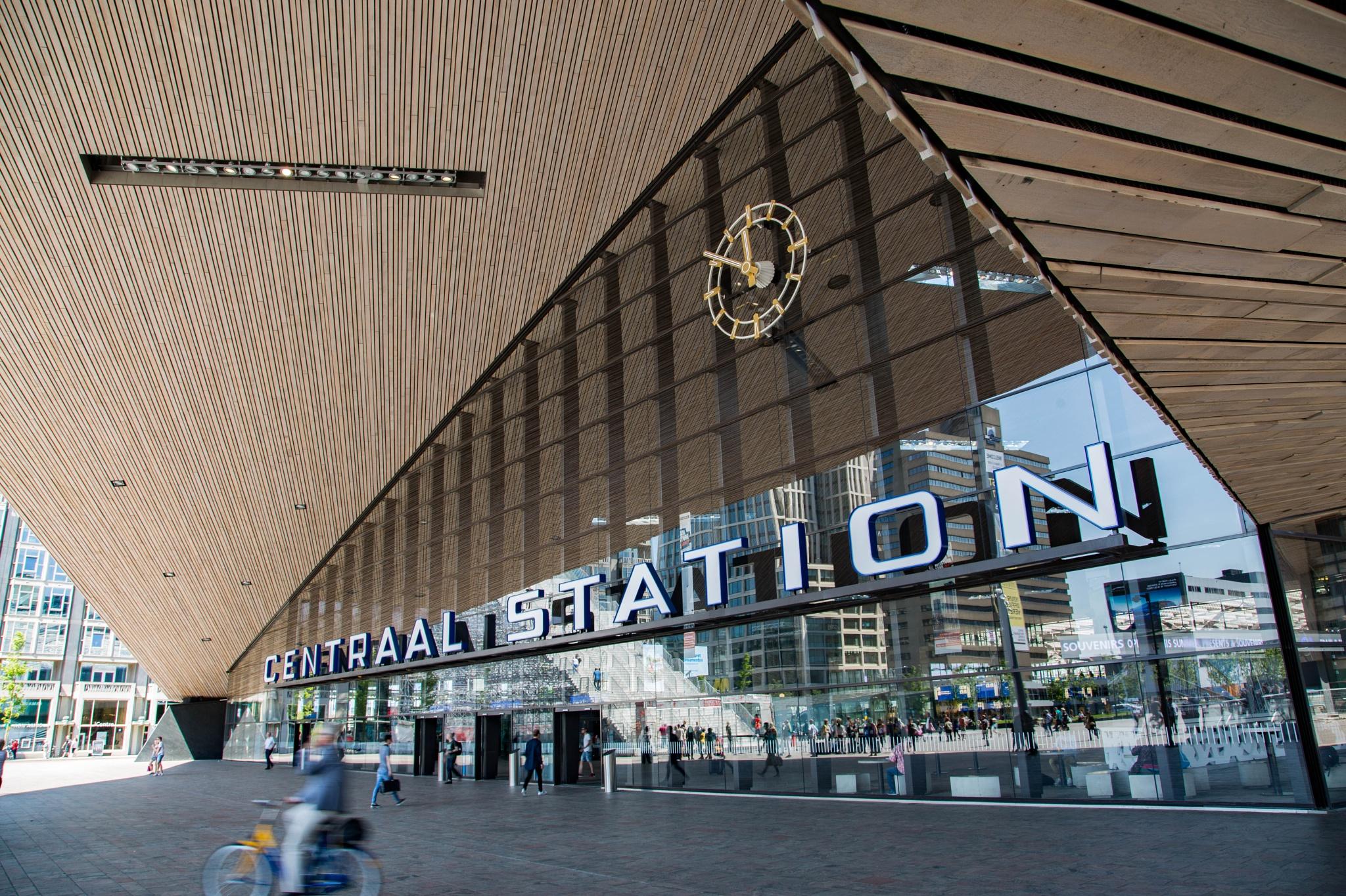Rotterdam C.S. by Jan Dirk Stuurwold
