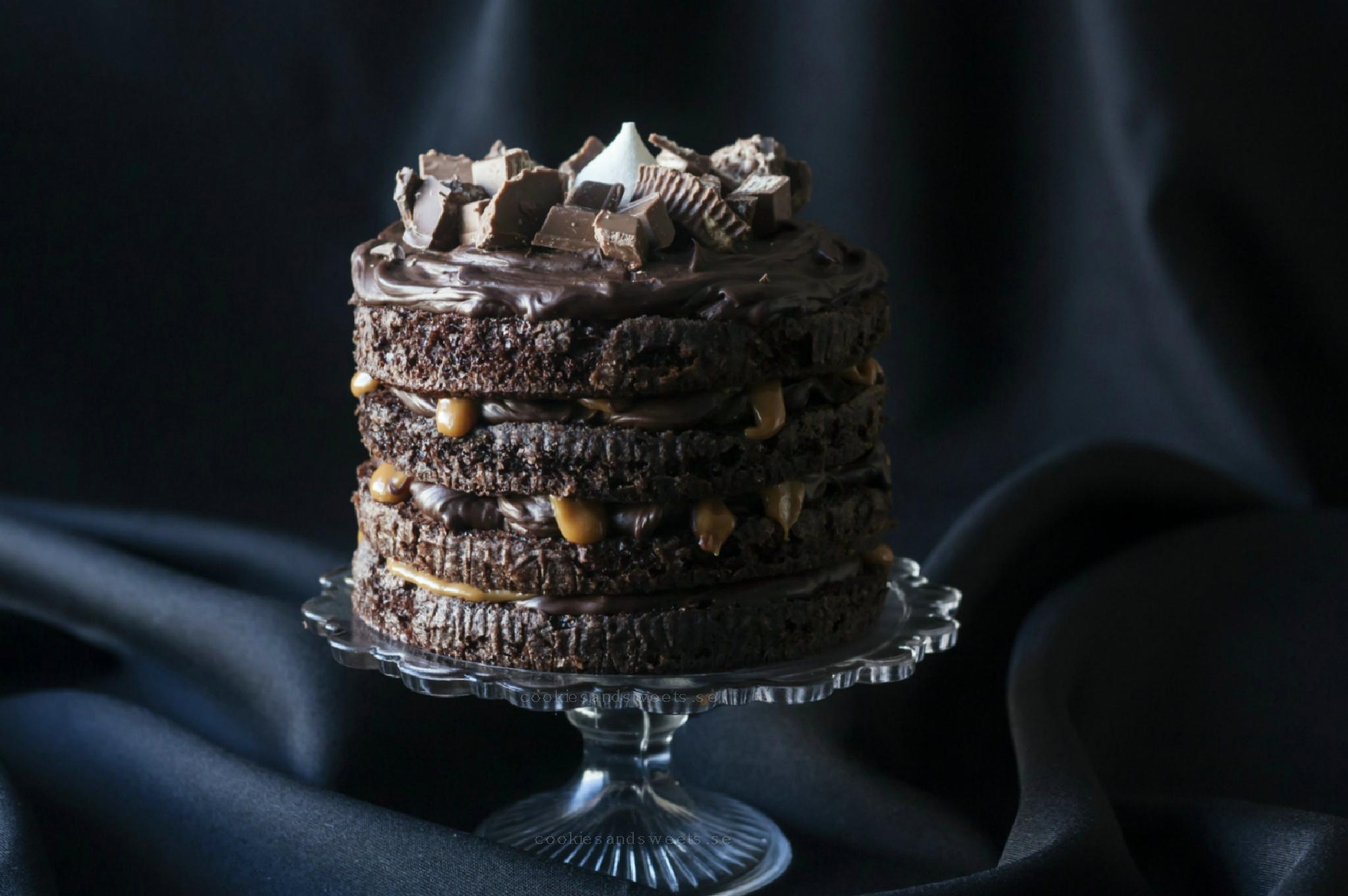Chocolate cake from heaven by cookiesandsweets by simona