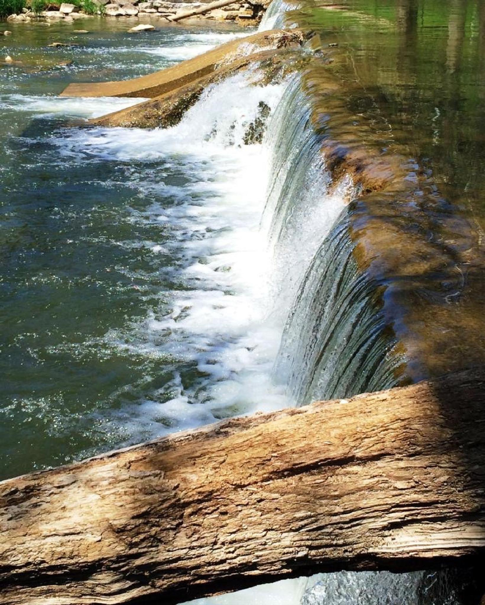 Little Falls  by vboyens