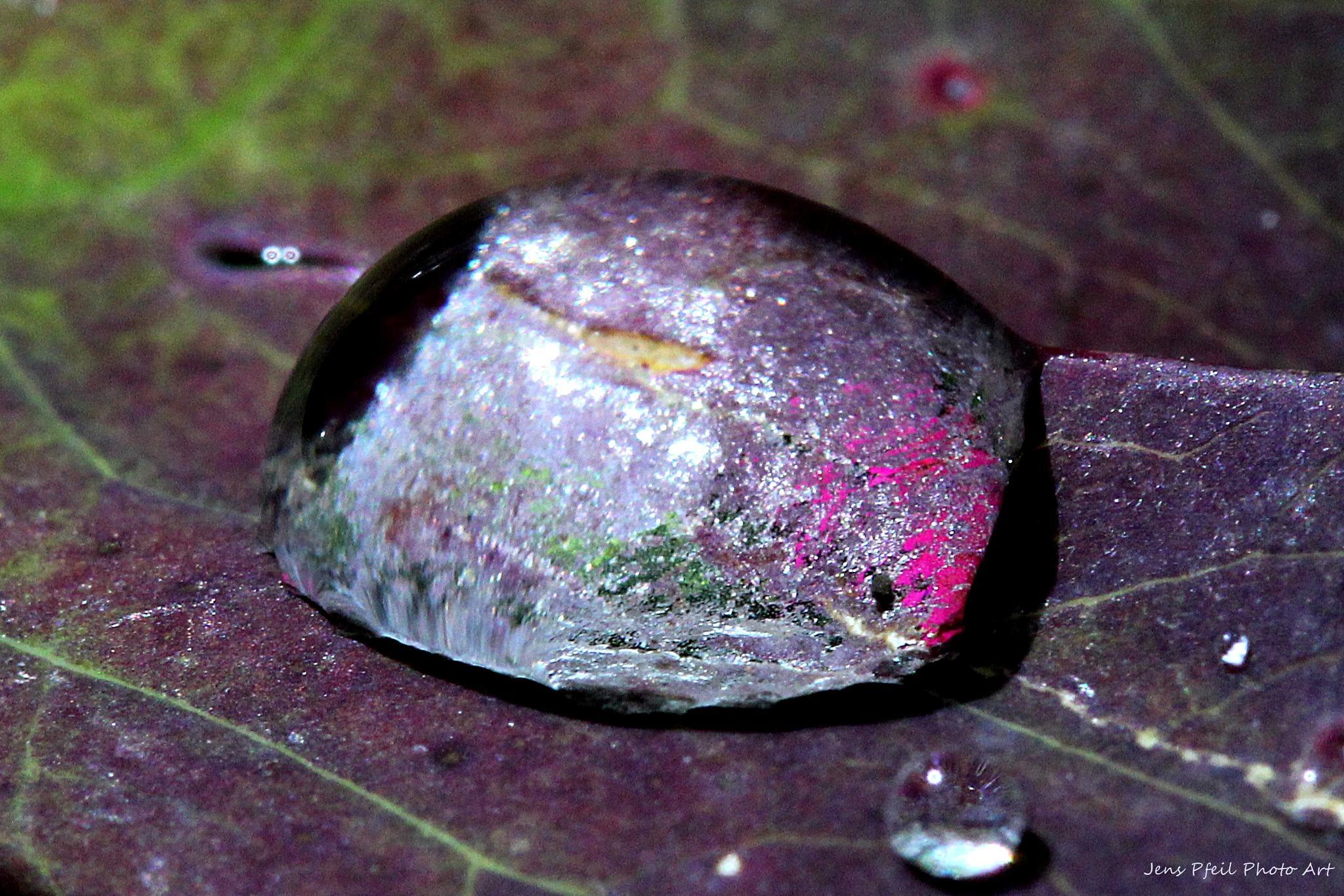 Liquid gemstone.. by papaje