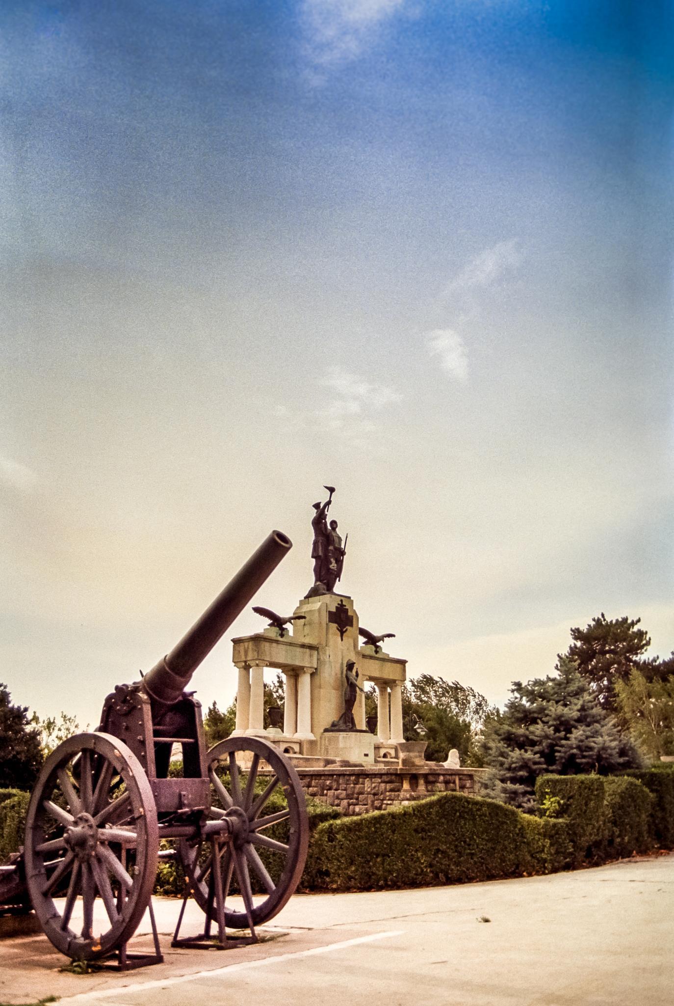 Heroes Monument by nedelciu.alexandru.1