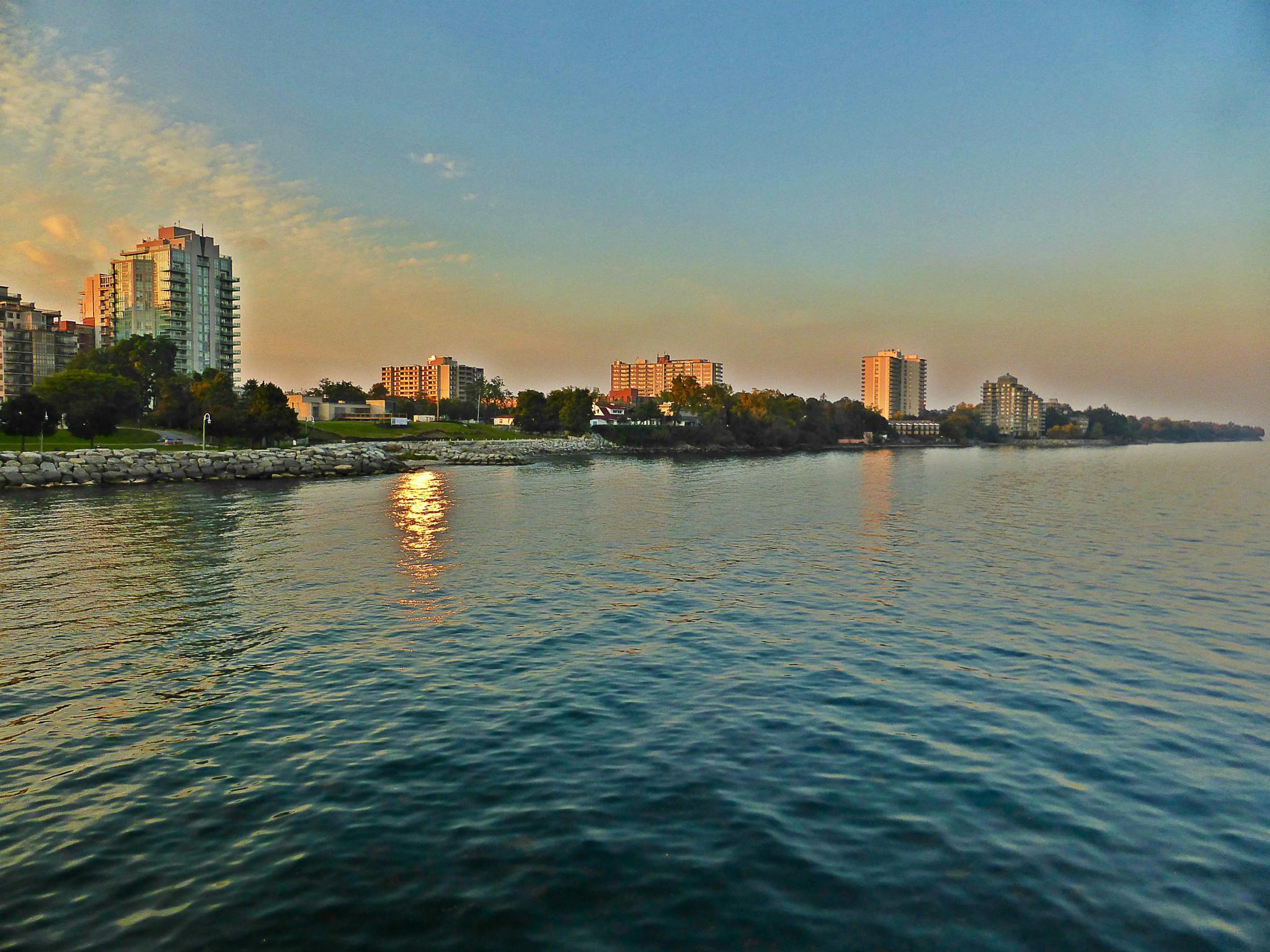 Burlington Sundown by gerry.lewicki