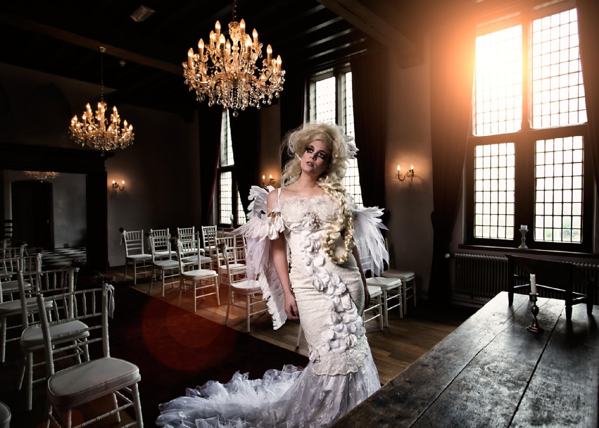 Photo in Fashion #portrait #people #fine art #wedding #model #fashion #glamour #light #interior #architecture #ptesta #canon