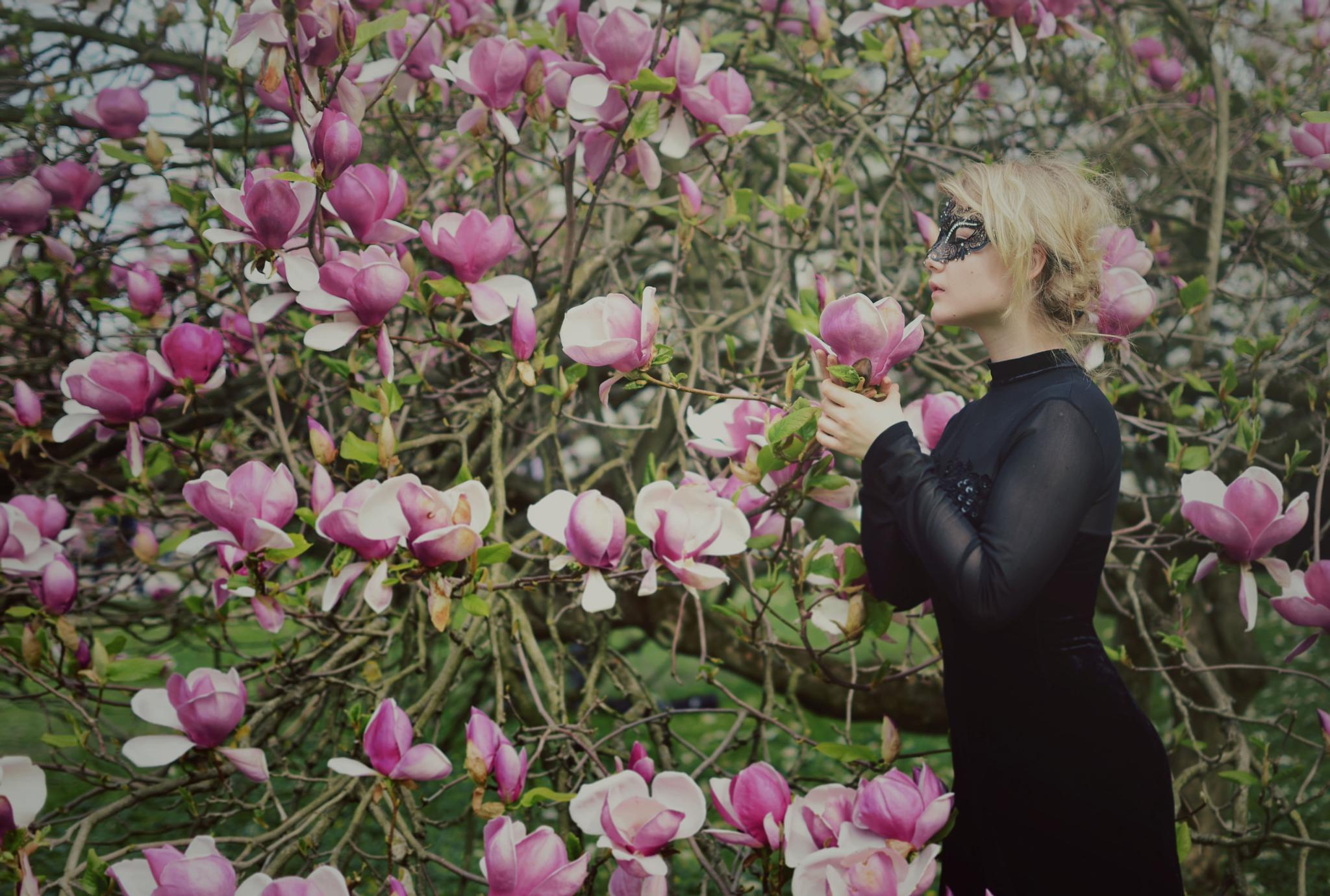 Photo in People #spring #model #flowers