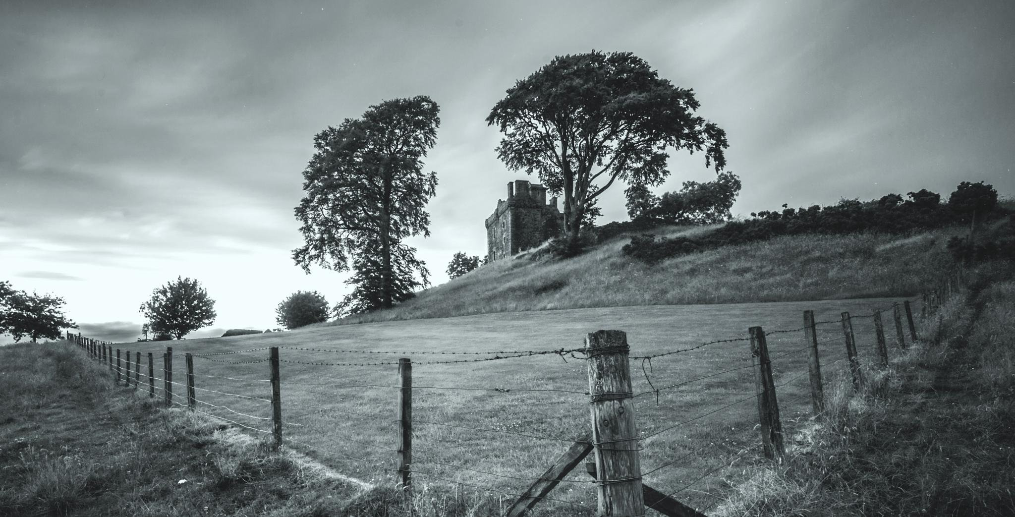 Balvaird Castle by jamie.snr