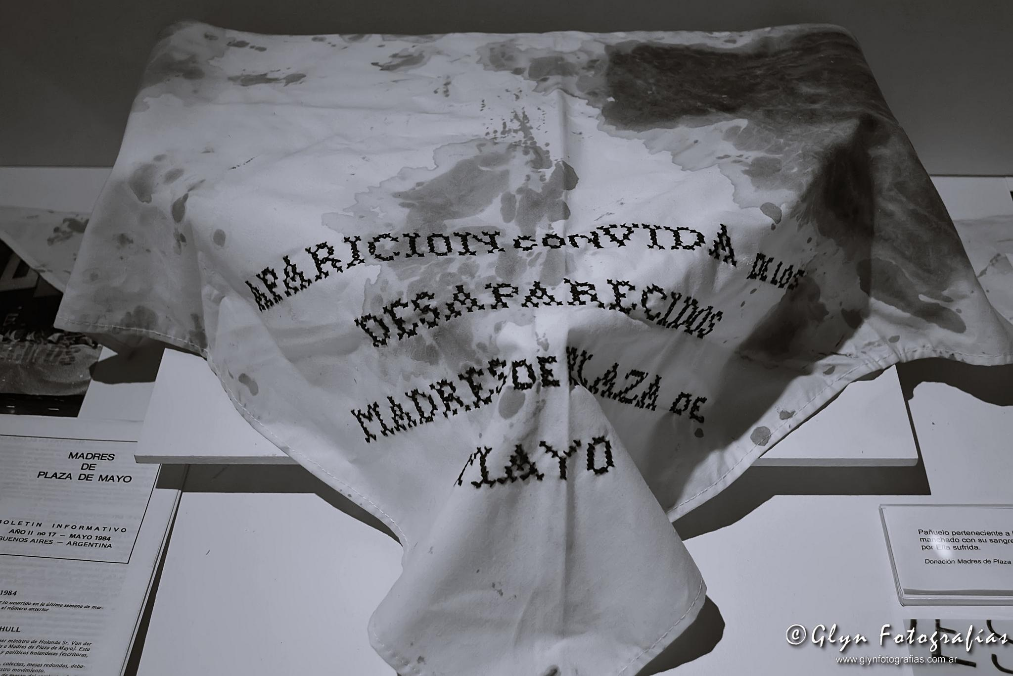 Madres de Plaza de Mayo by GlynFotografias