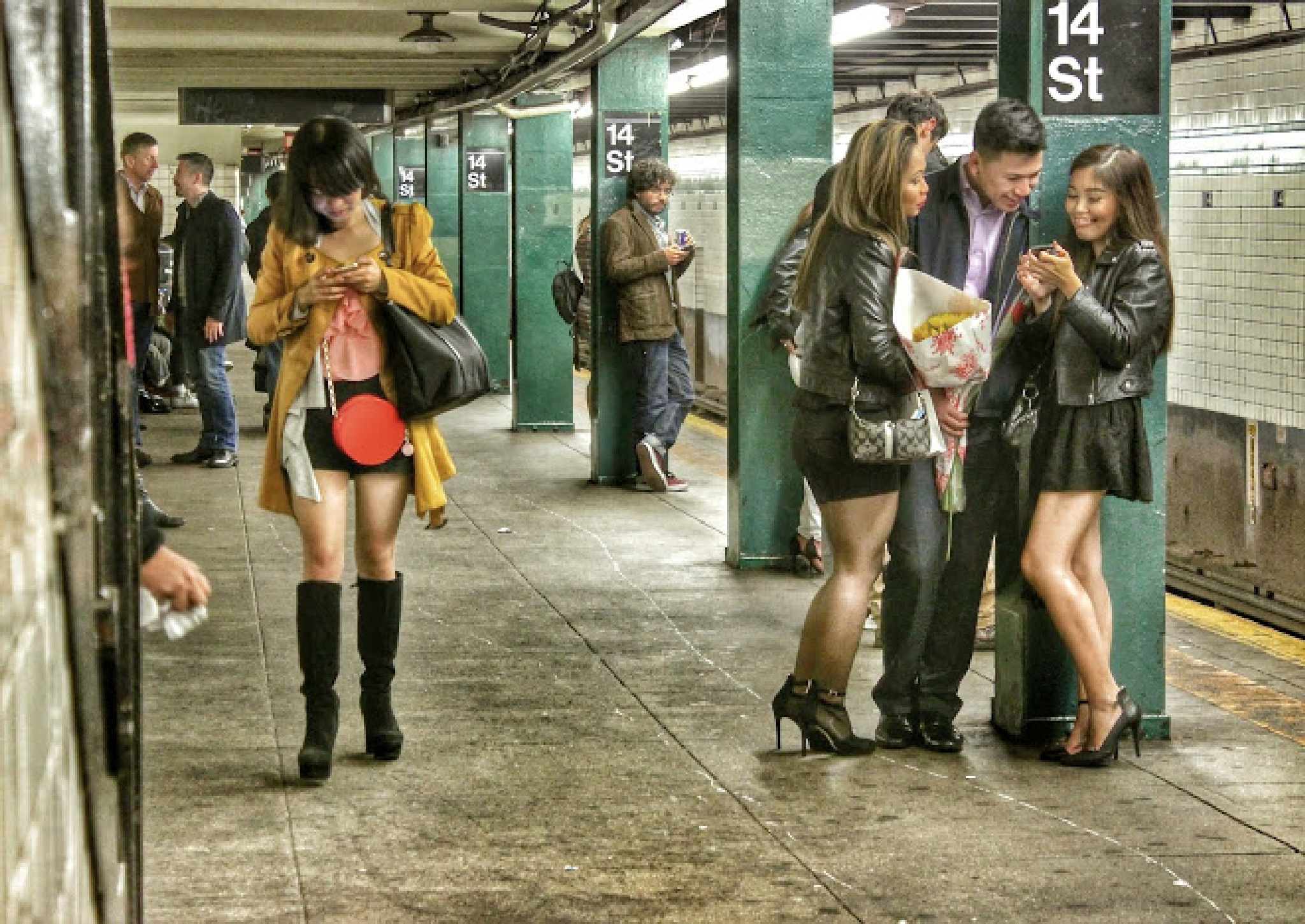 14 ST Station in NYC by Benedito Luiz Arruda