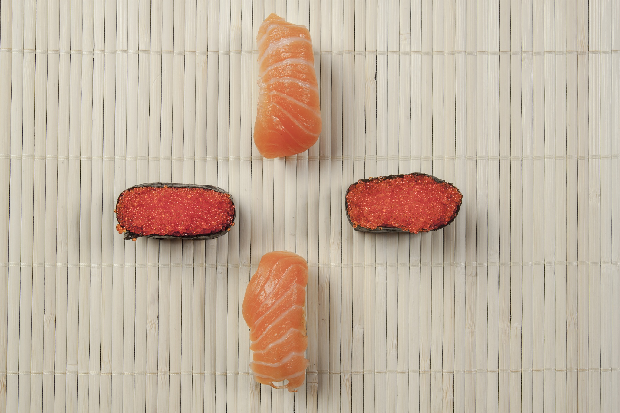 sushi by Kelvin ZyTeng