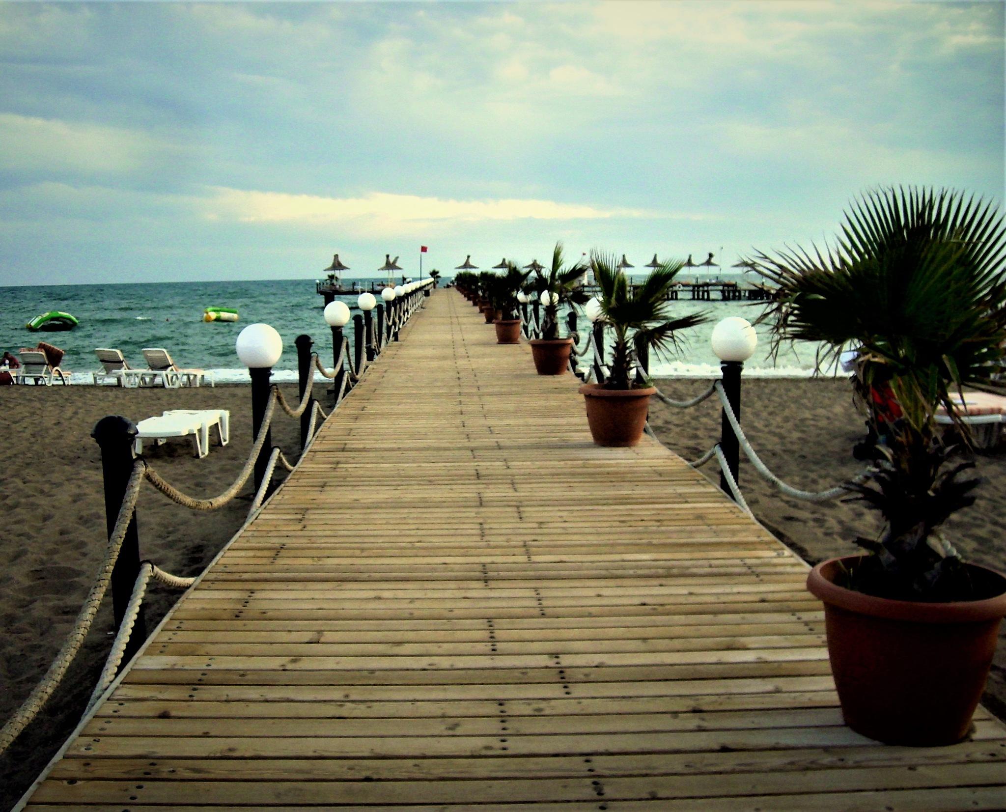 6888... Pier... by Bedirhan Küpeli