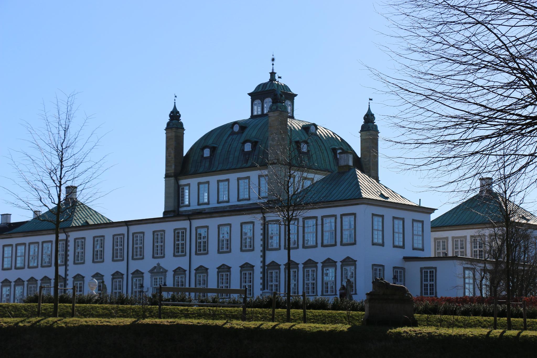 Kingdom Castle by Karsten Larsen