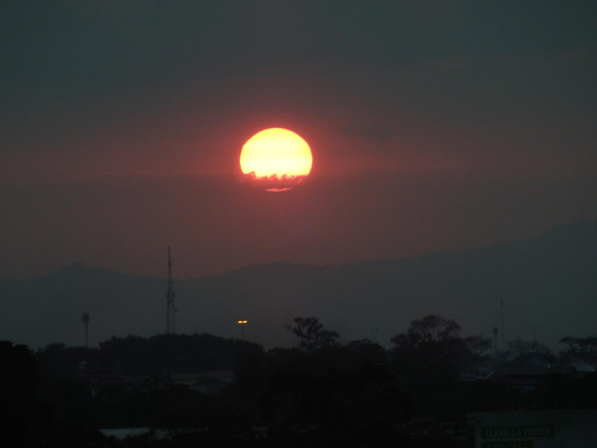 Cae el sol by KAMAQUECHI