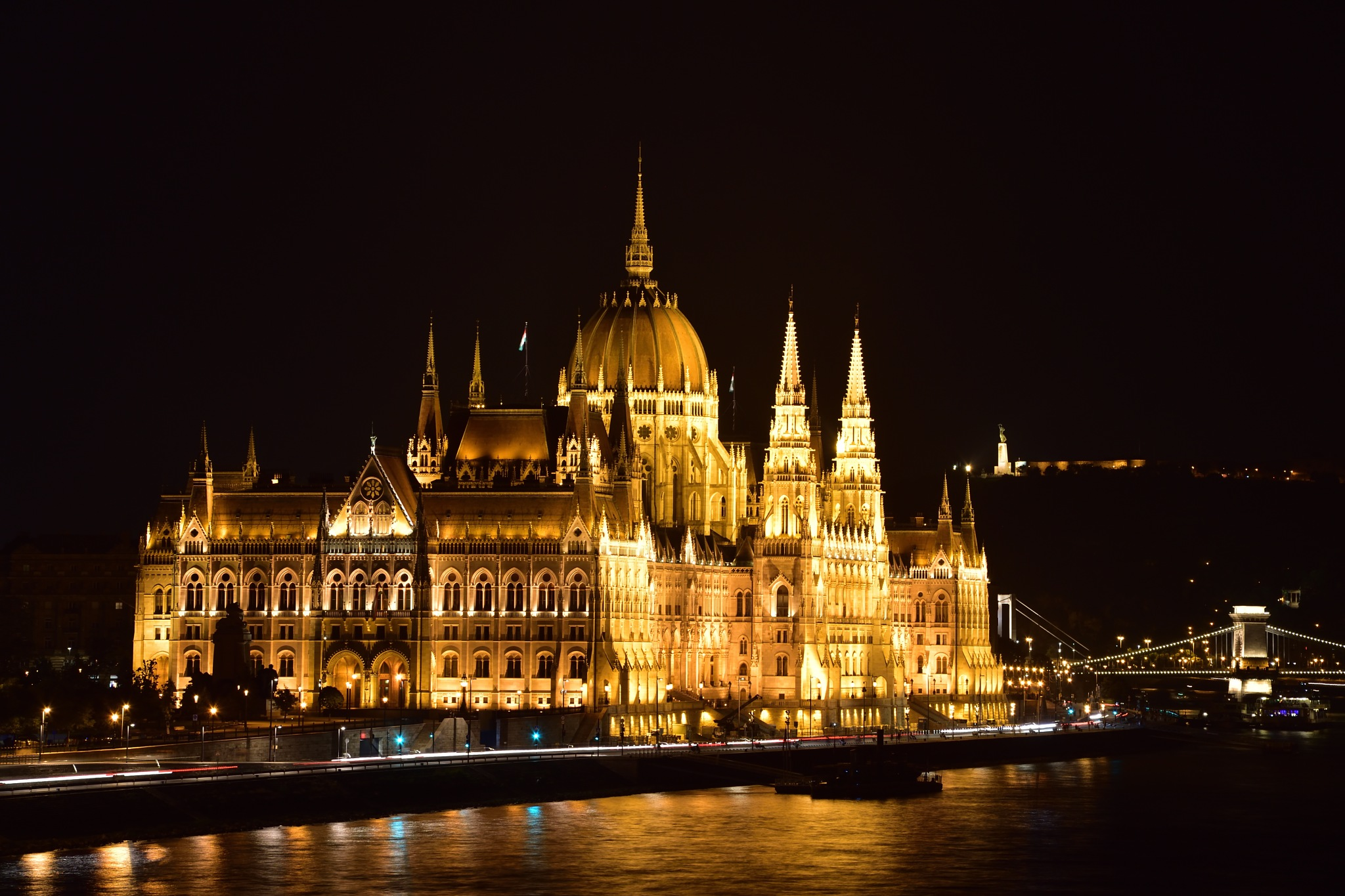 House Of Parlament  by Vagn Arvesen