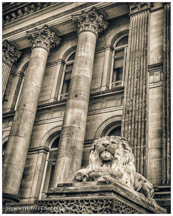 Leeds Town Hall  by stewartwaitephotography