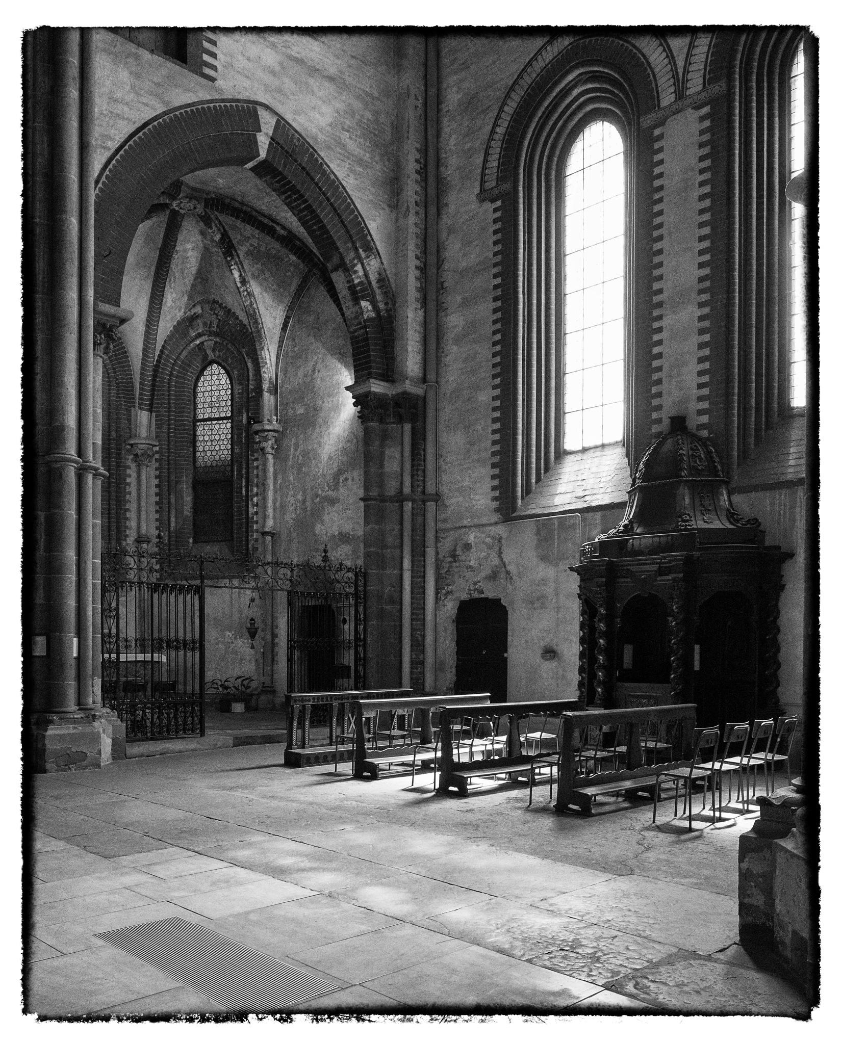 chiesa di sant'andrea, vercelli by bcorech