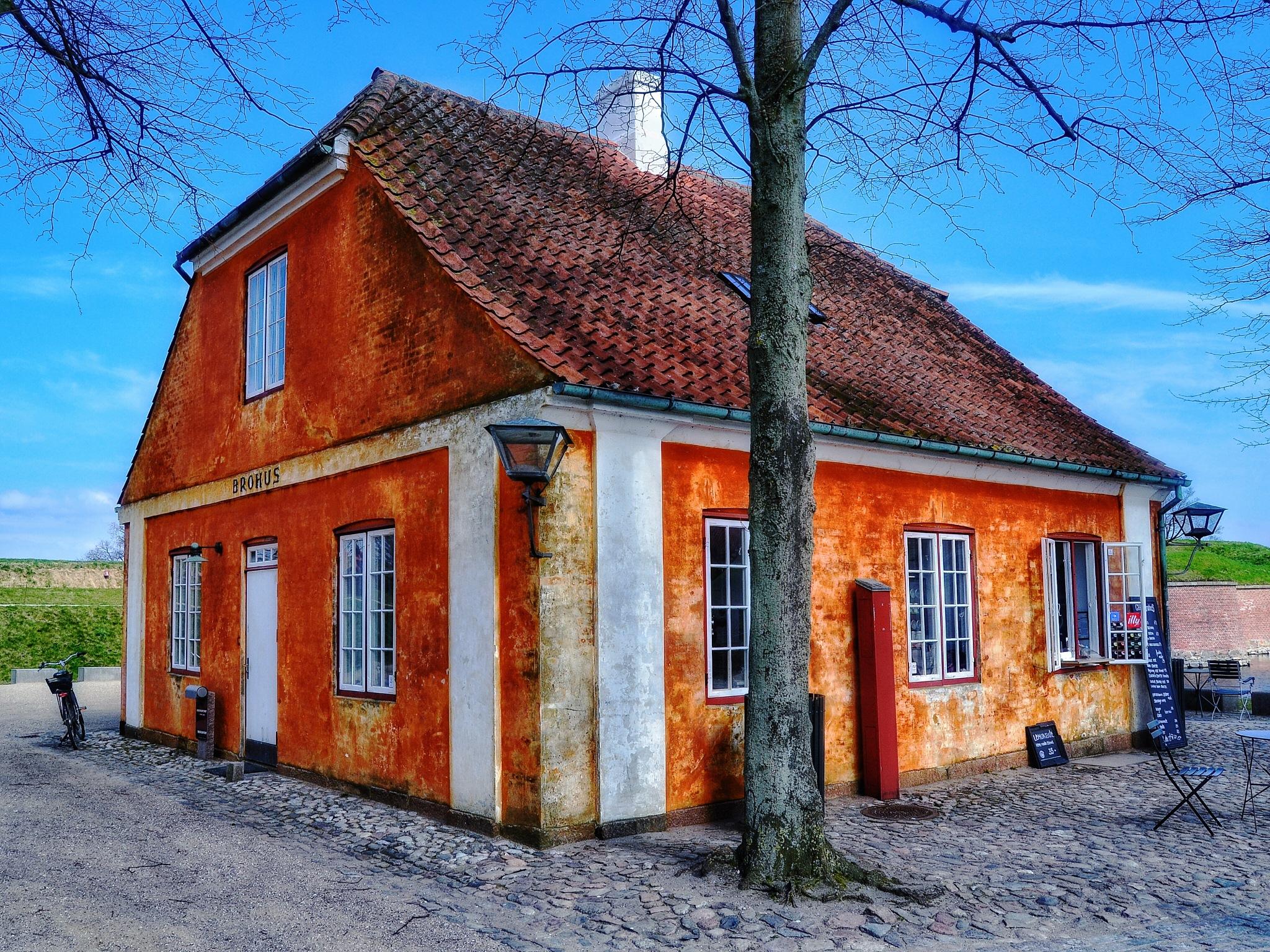 """Brohus"" att Kronborg Castle, Helsingør by Christian Jerhov"