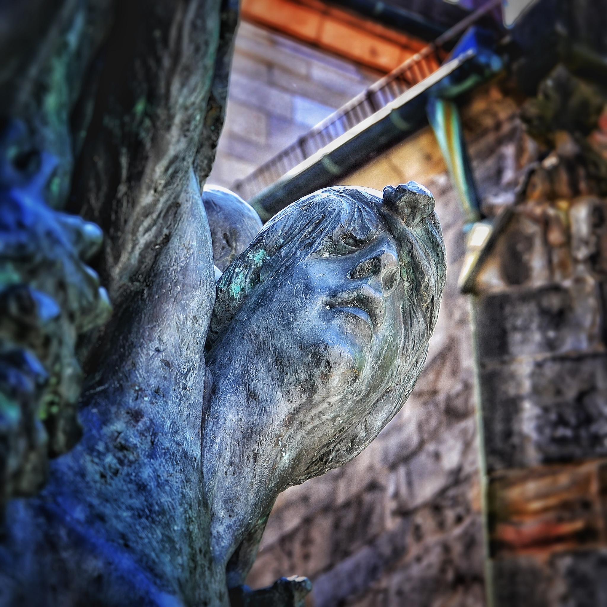 Statue in Hameln by Christian Jerhov