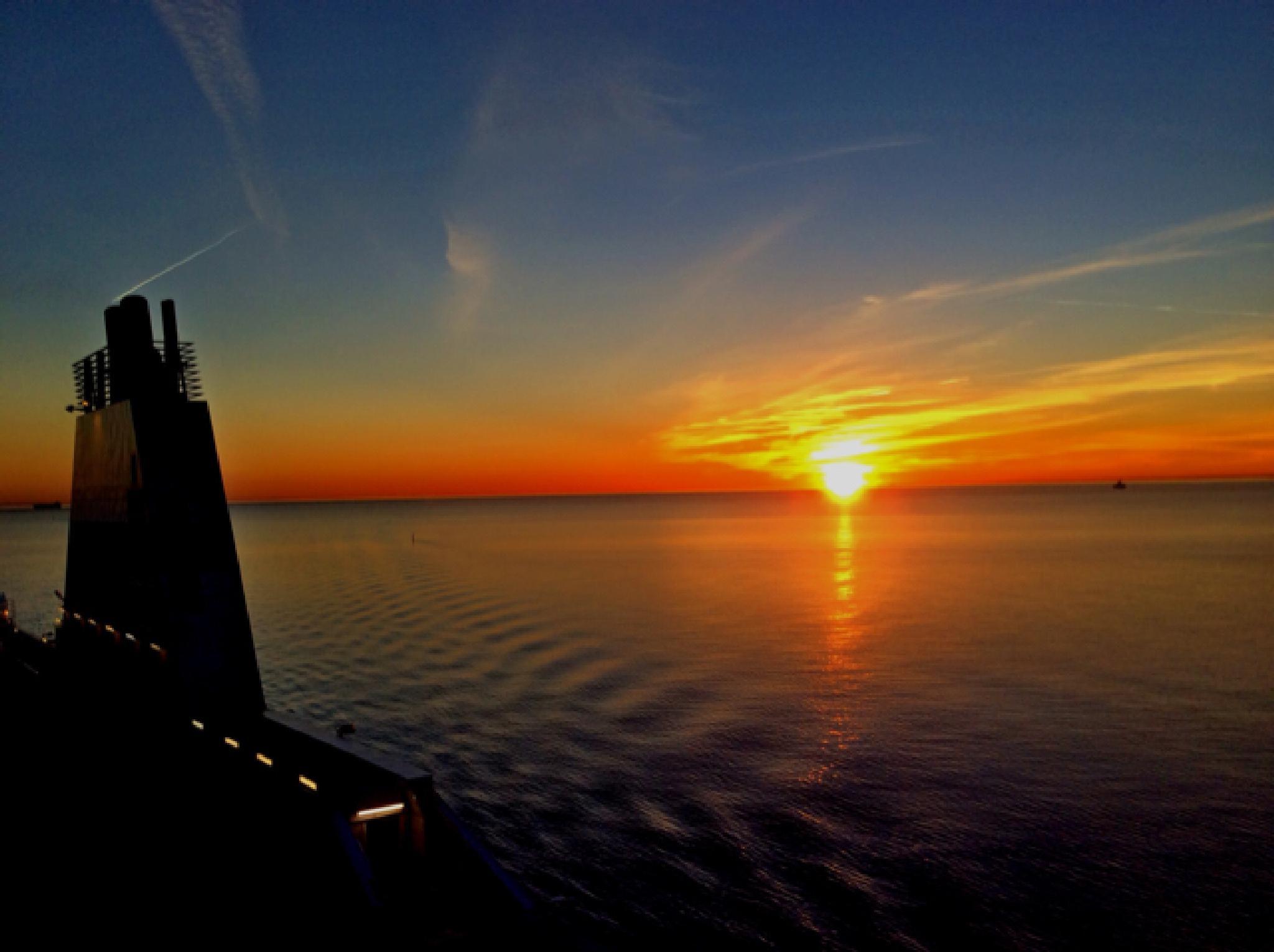 Warms My heart @ Sea  by Johan Meding