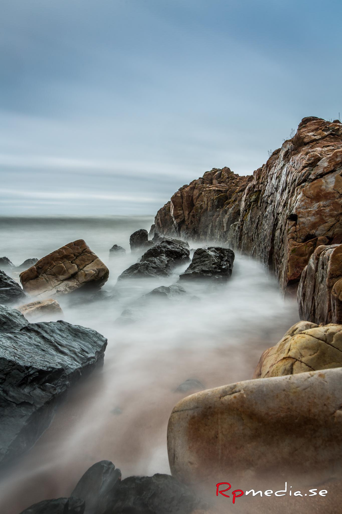 Big stones in the sea. by espresso.rickard