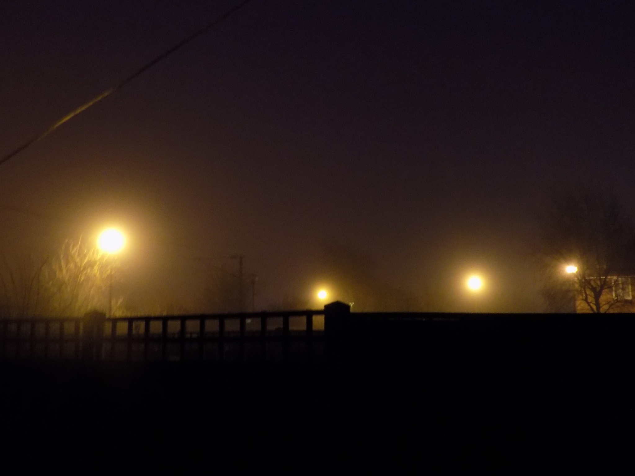 Foggy Lights by sweetybabe72