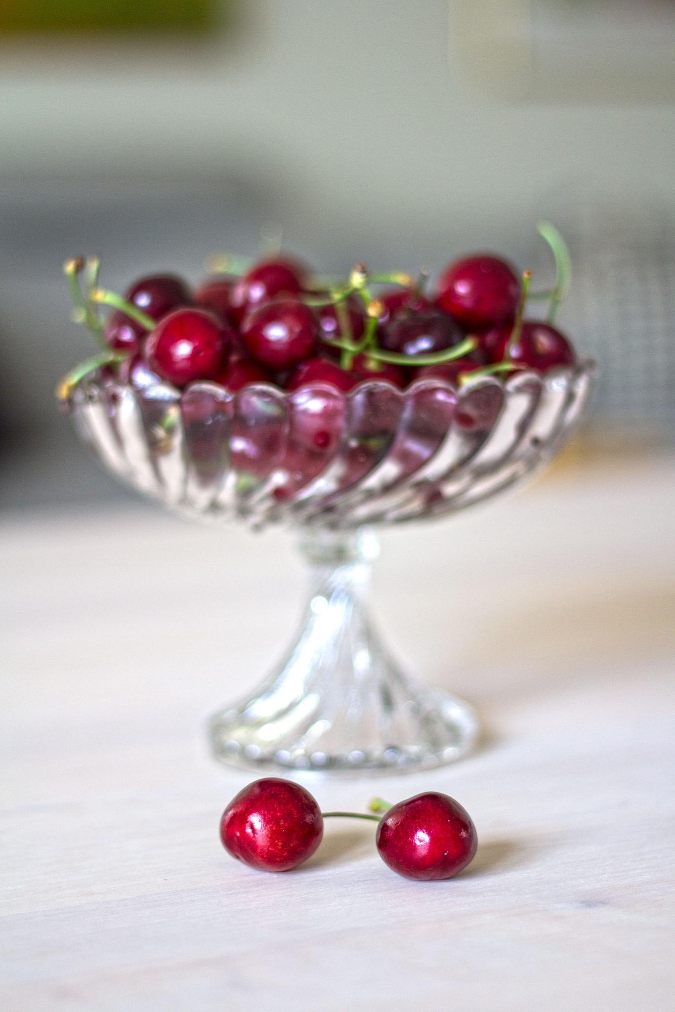 Cherries by AvieW
