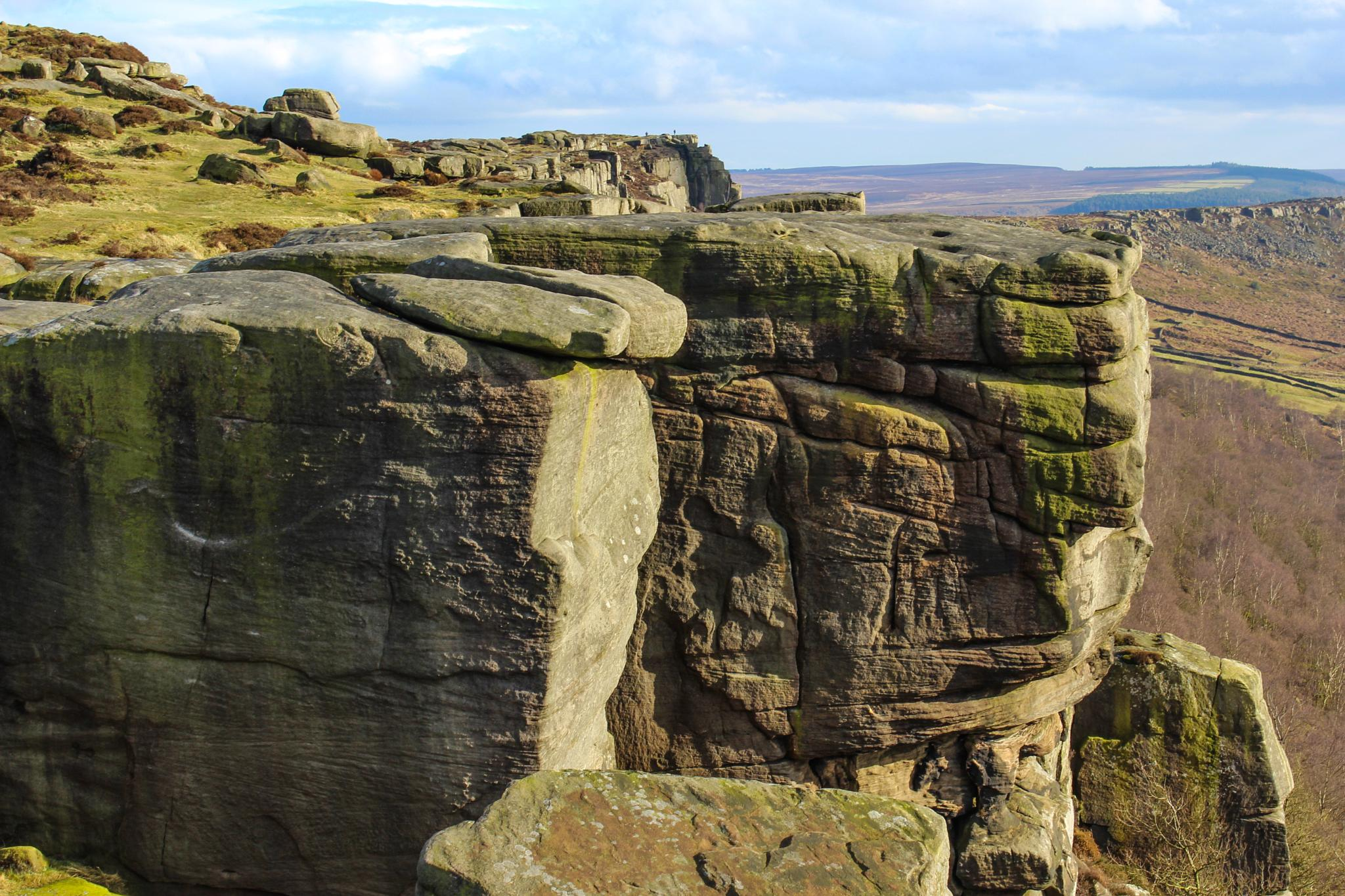 Cliff by peakman