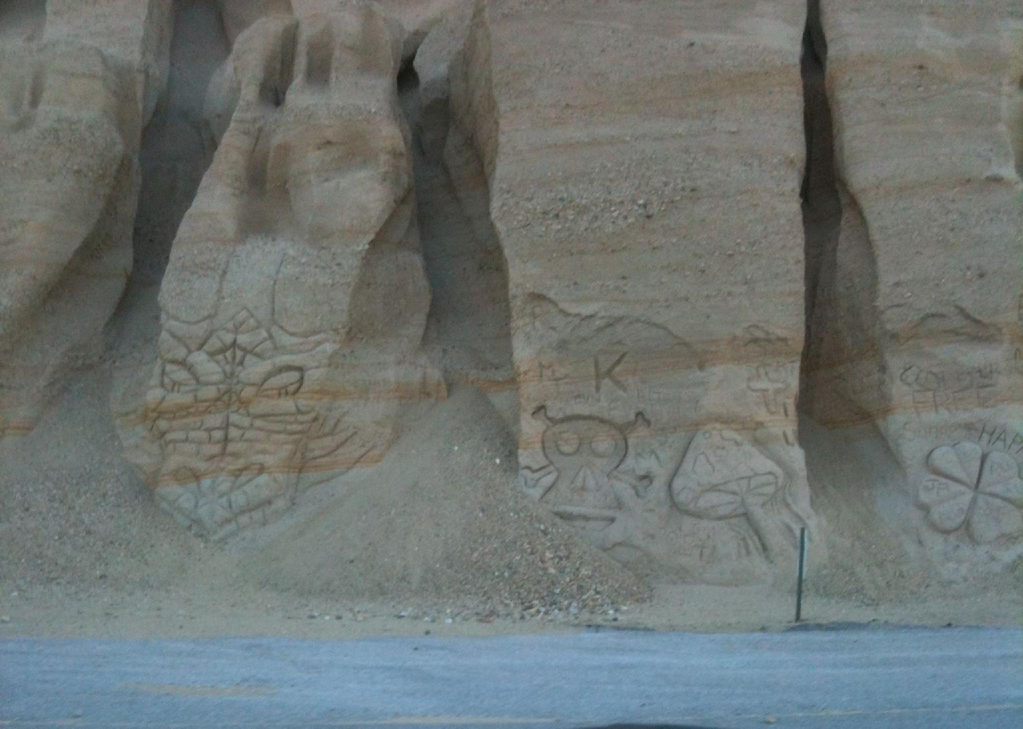 Grimes Canyon, CA - Sandstone carvings by metalhaid