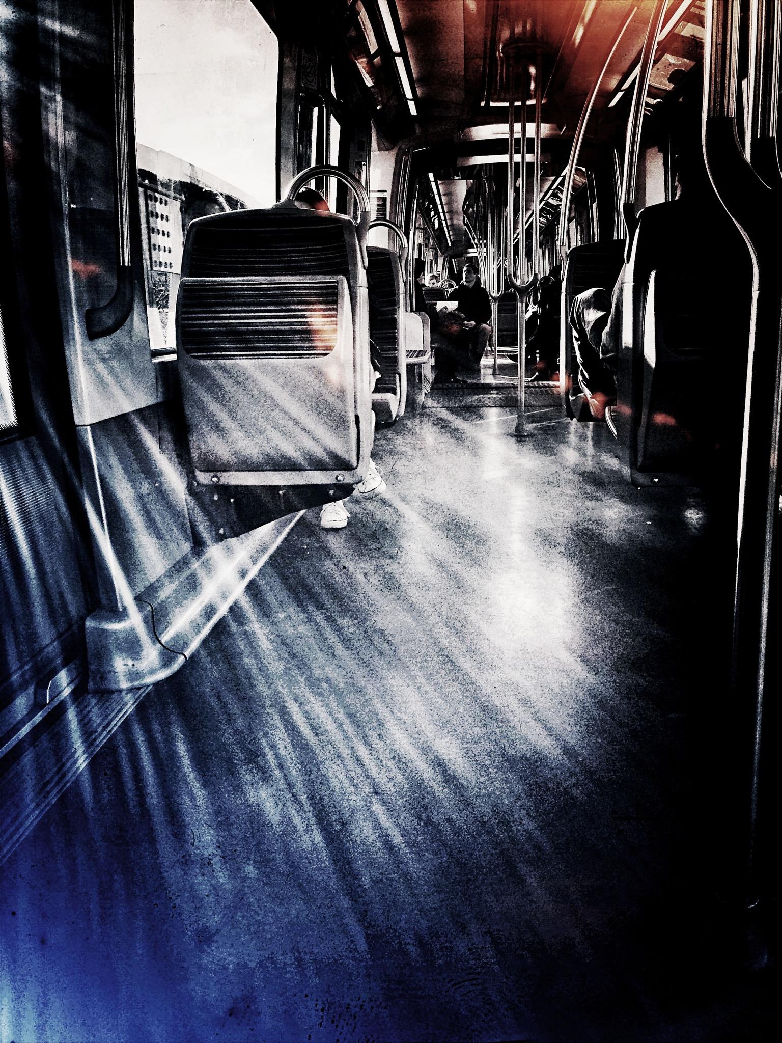 Parisian tube by FUMIGRAPHIK