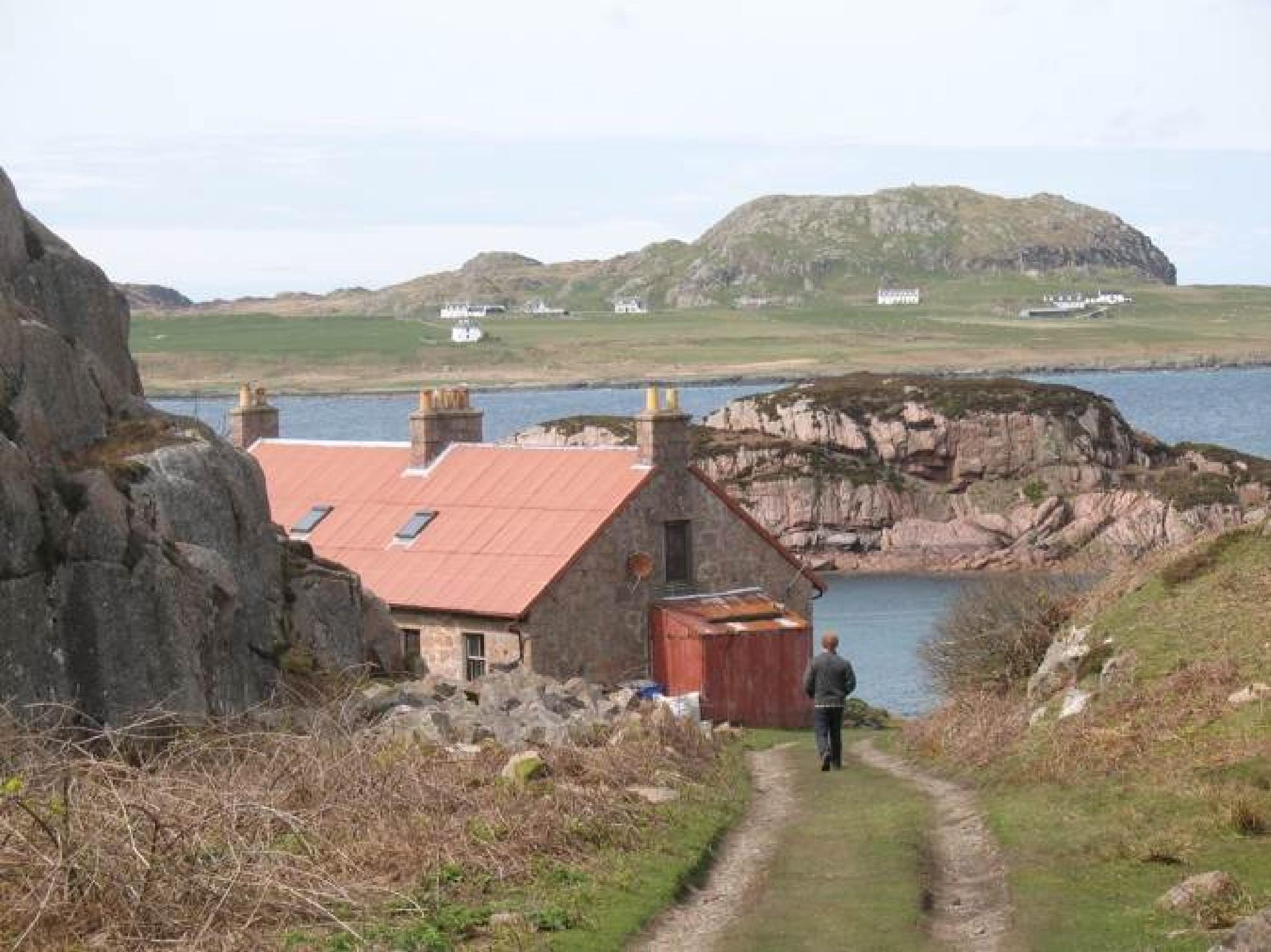 Isle of Mull, Scotland by riddelljane