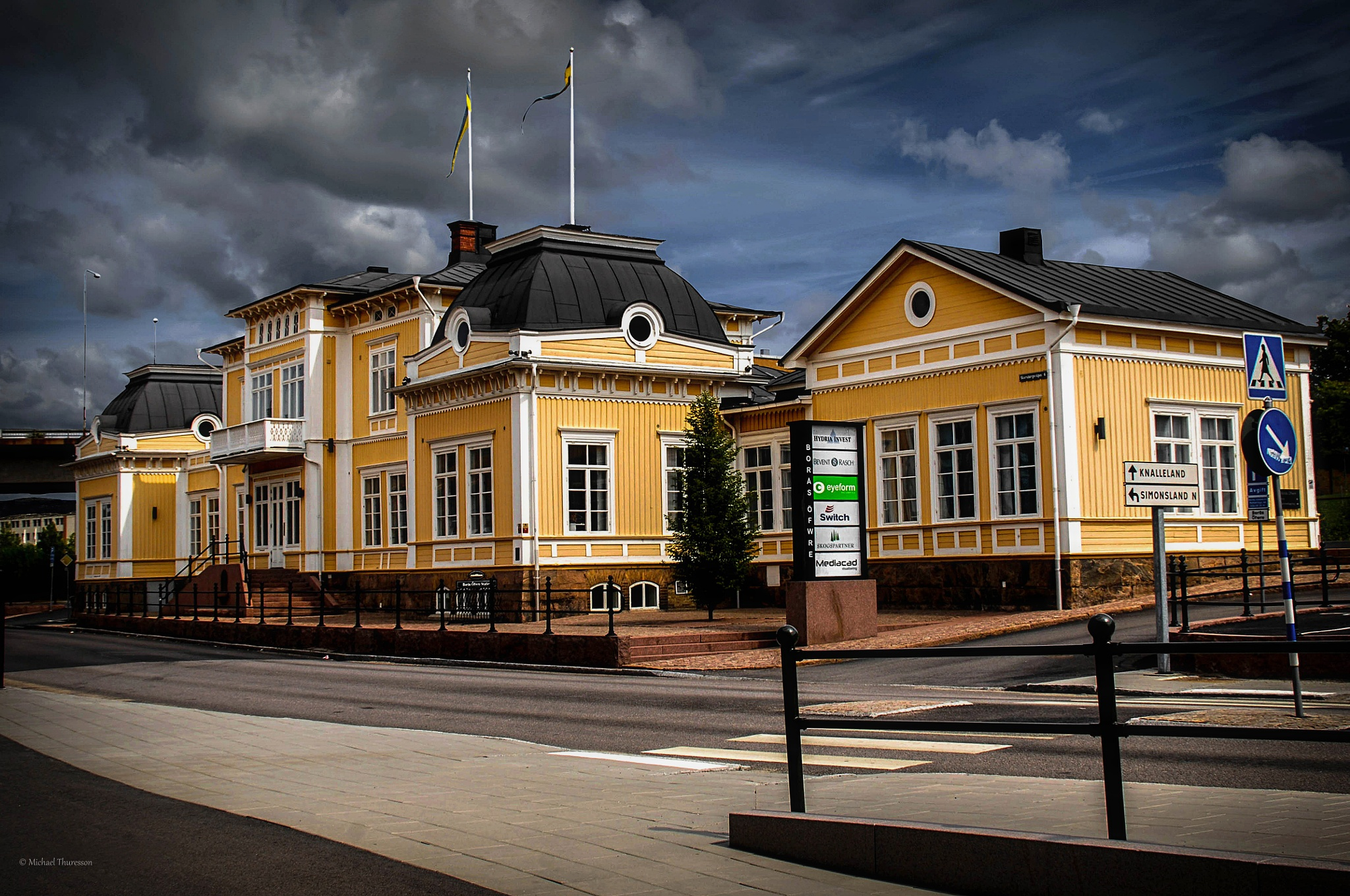 Train station by michael.thuresson.5