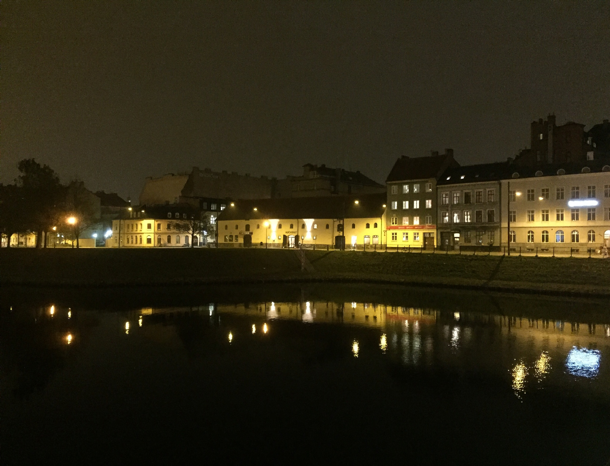 Malmoe by night  by Timrup